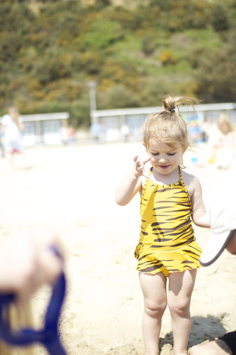 Mini_Rodini_tiger_beach_Kit_sandy