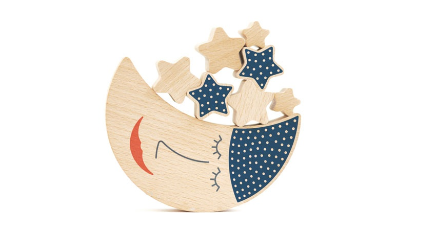 shusha_wooden_moon_toy