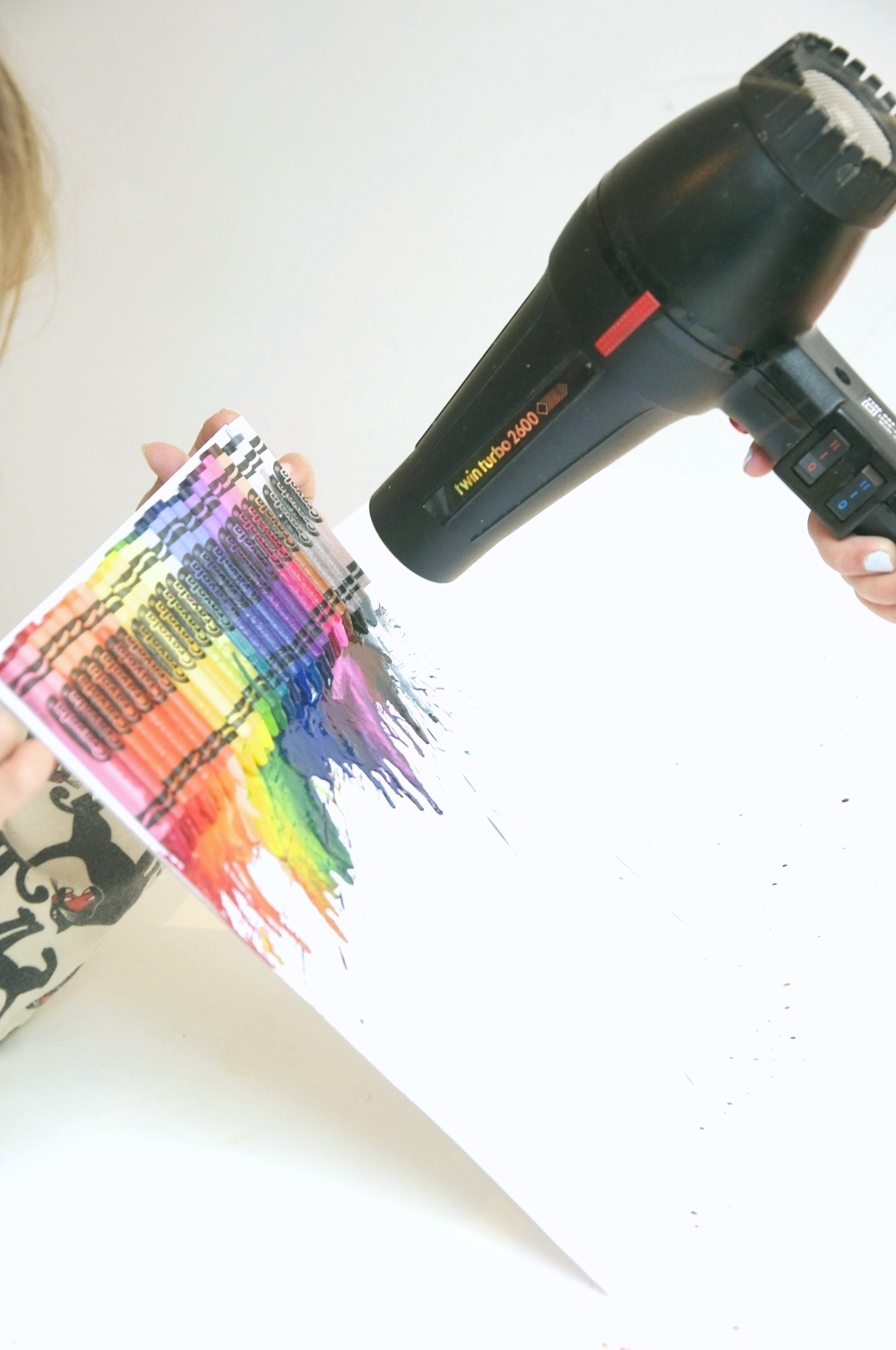 Hairdryer_crayon_melt_rainbow