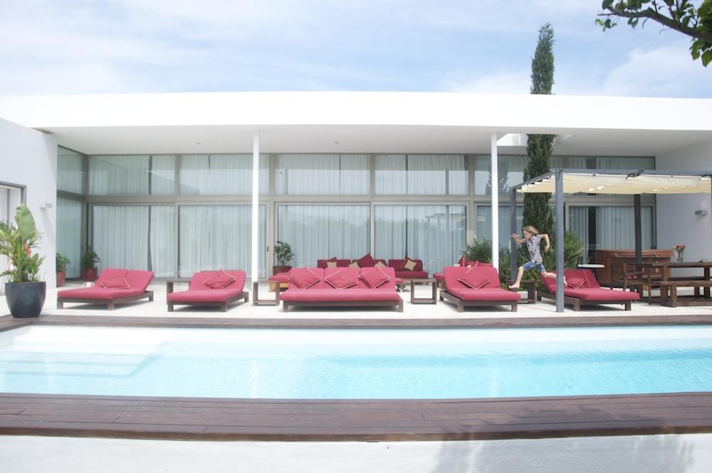 Mallorca_holiday_villa_sunbed
