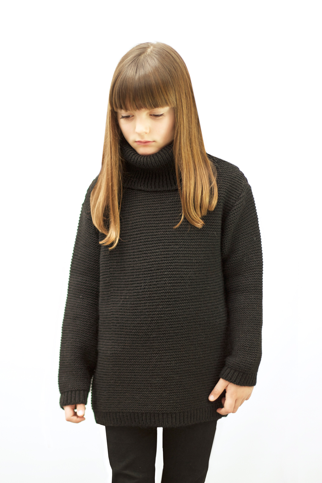 Motoreta_black_jumper
