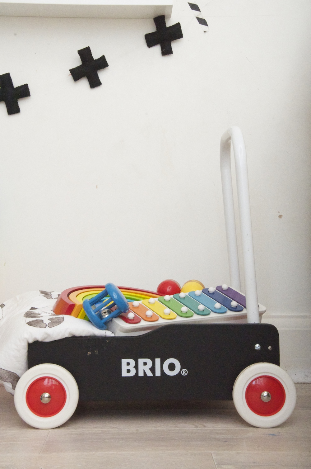Brio_wobbler_walker