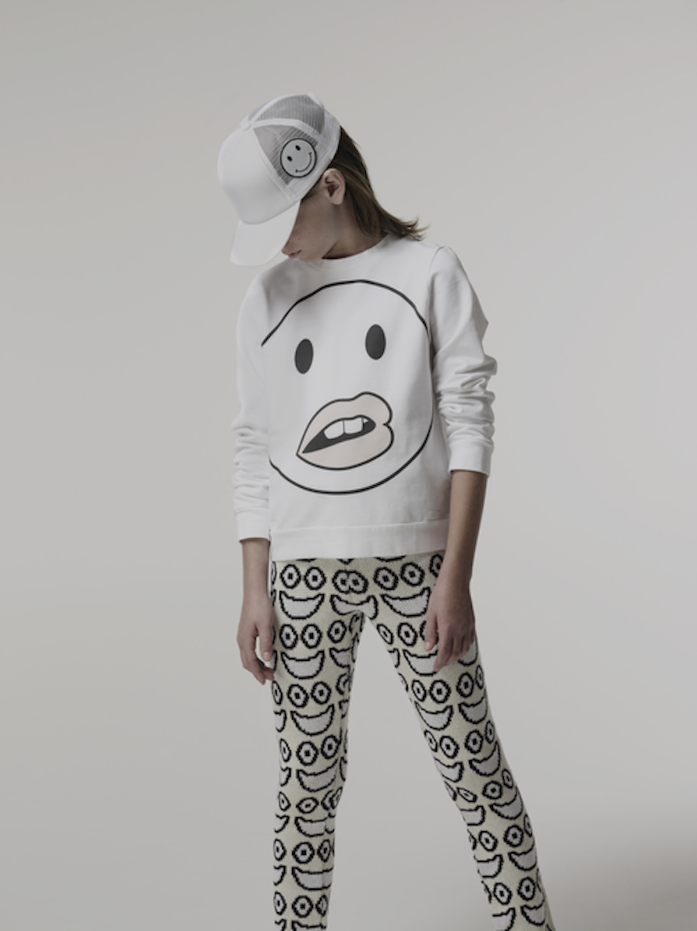 Caroline+Bosmans+SS15+face_sweatshirt