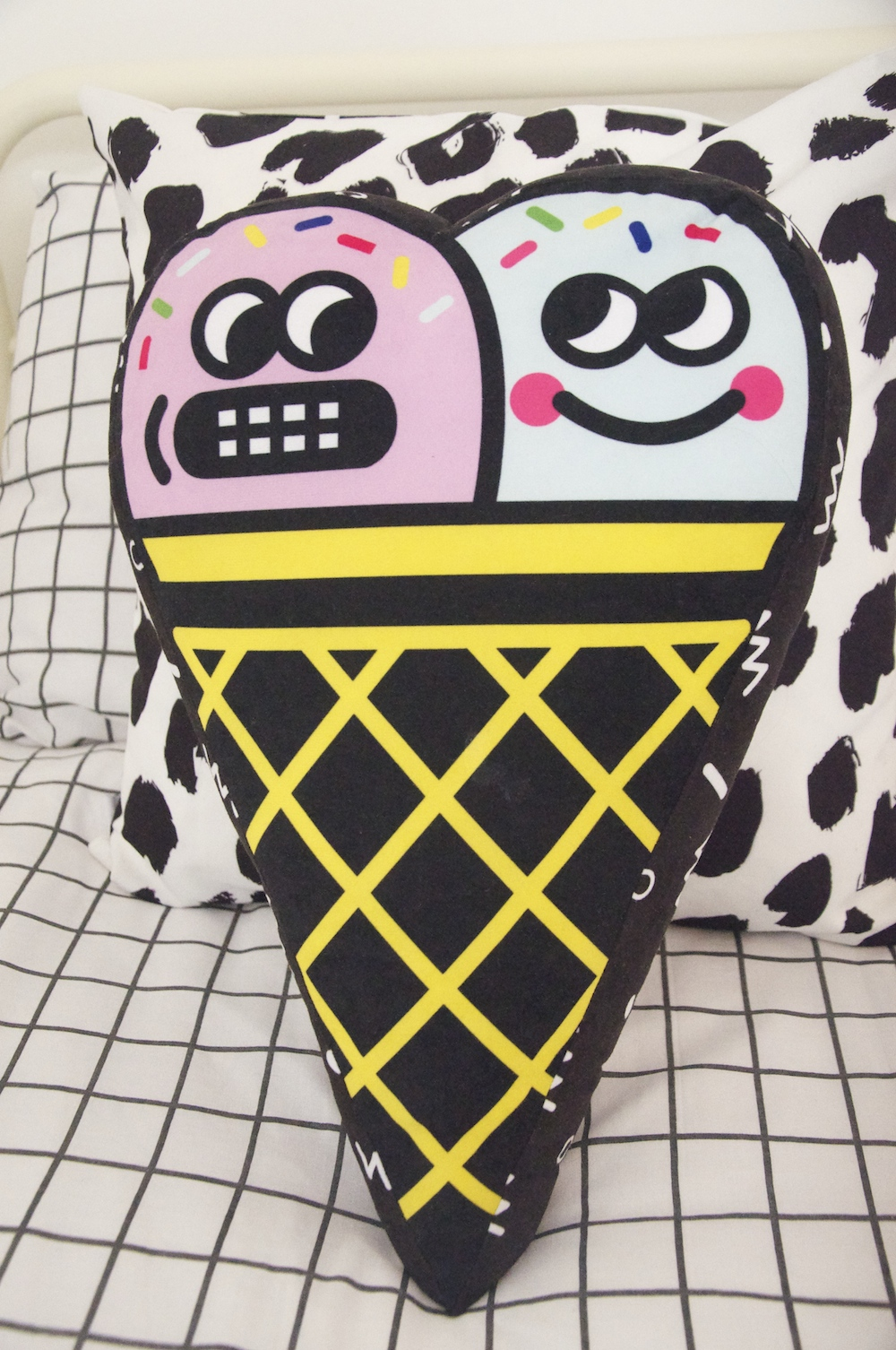 gogo_chop_shop_ice_cream_cushion