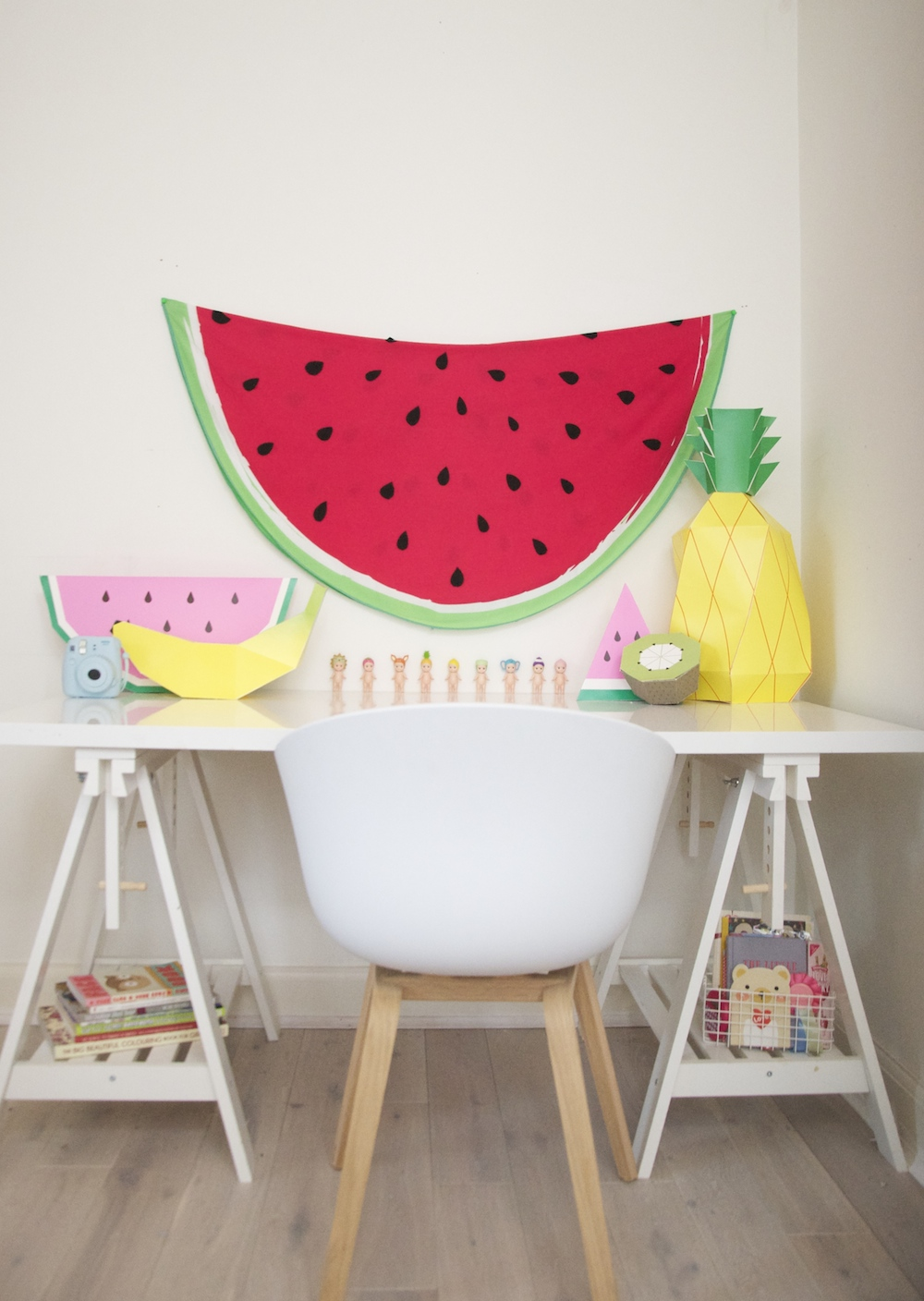 kids_desk_watermelon_fruit