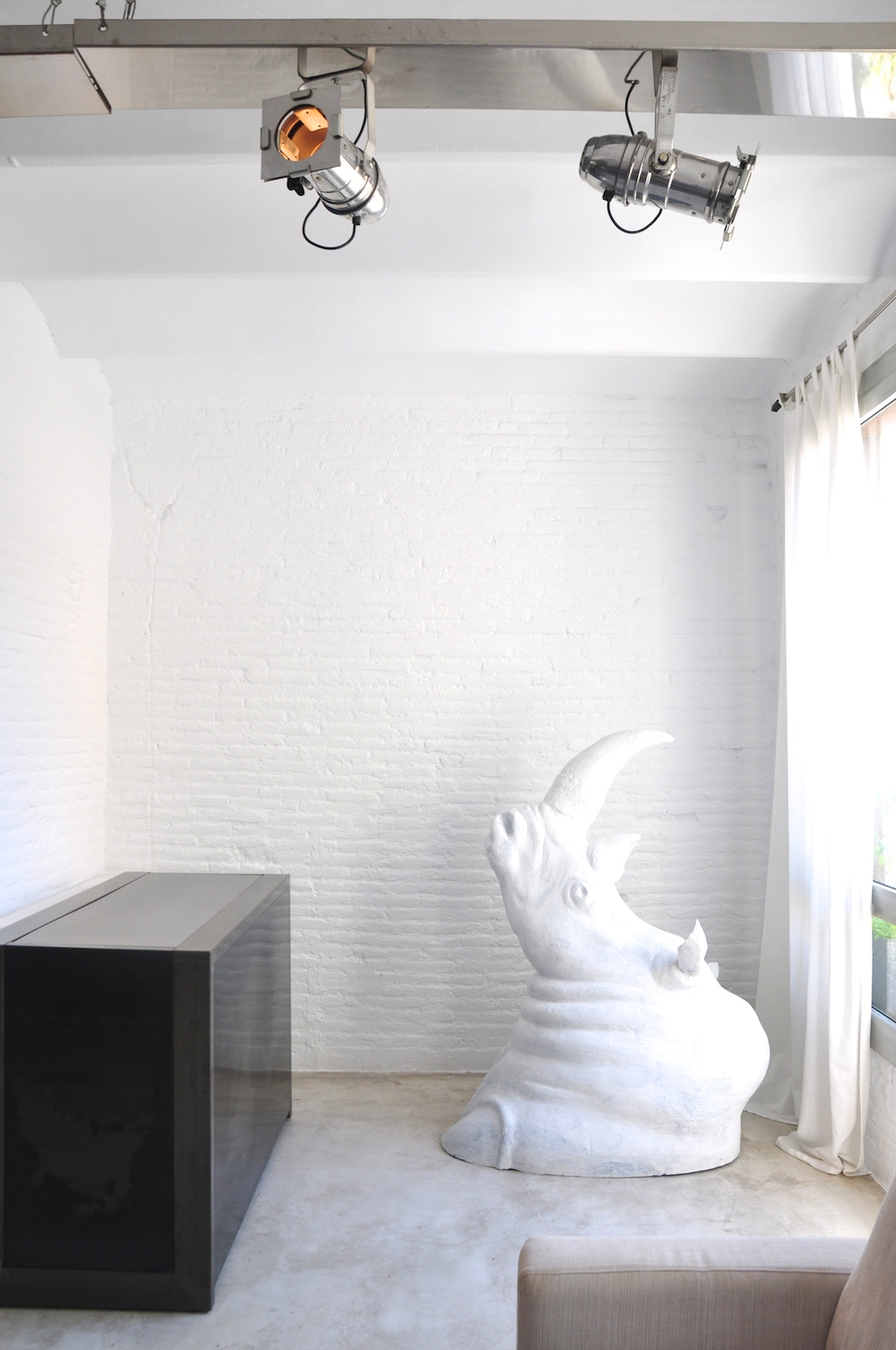 Barcelona_apartment_airbnb_rhino