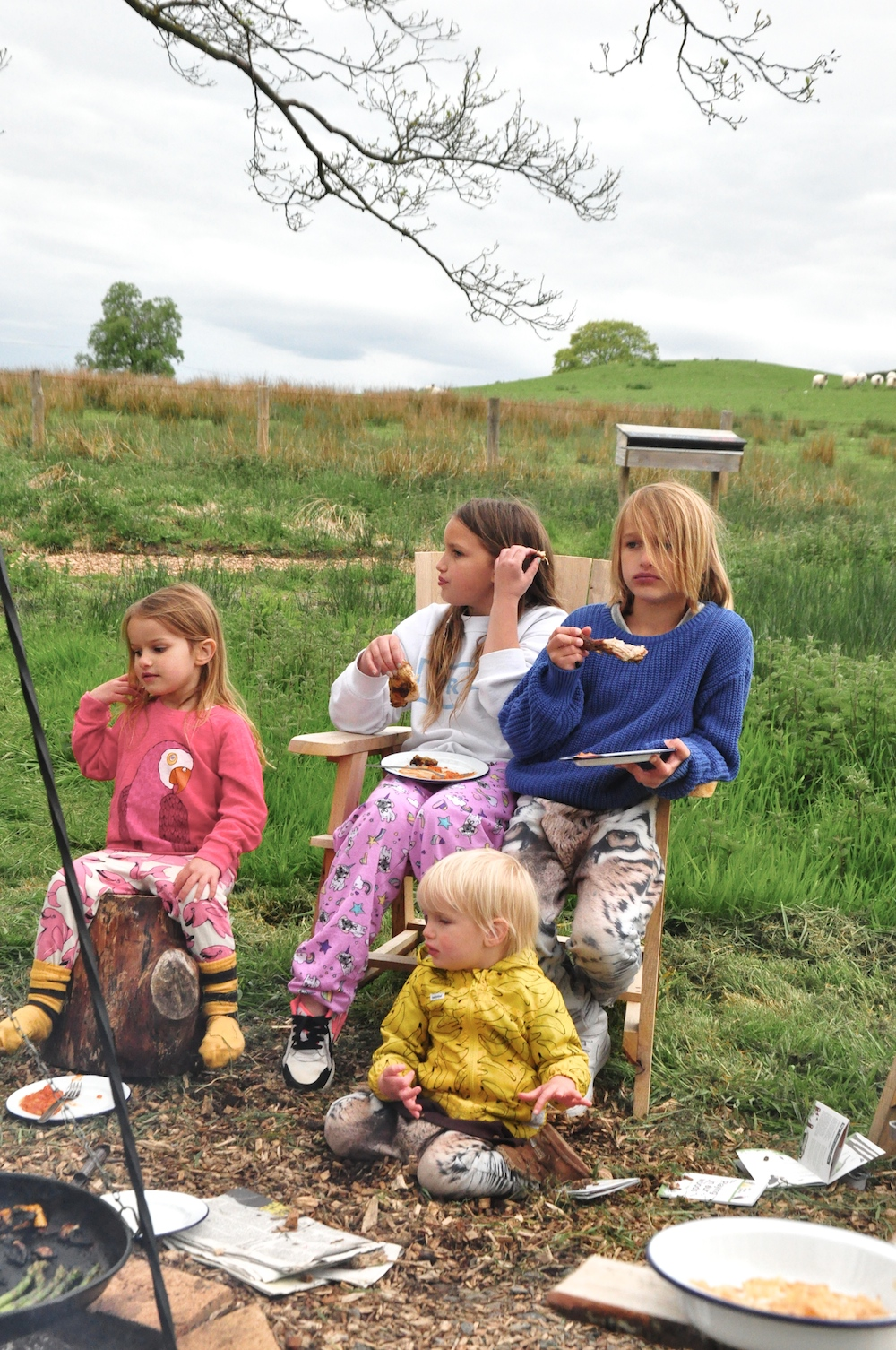 Cosy_under_canvas_glamping_barbecue