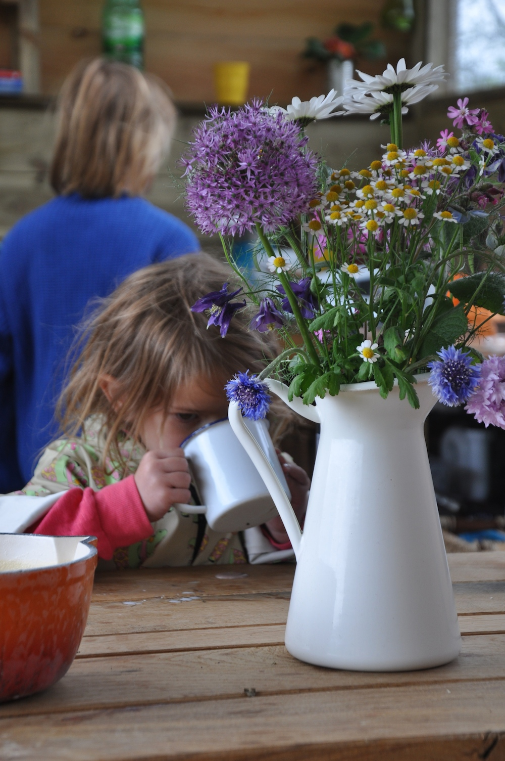 Cosy_under_canvas_glamping_kitchen_flowers