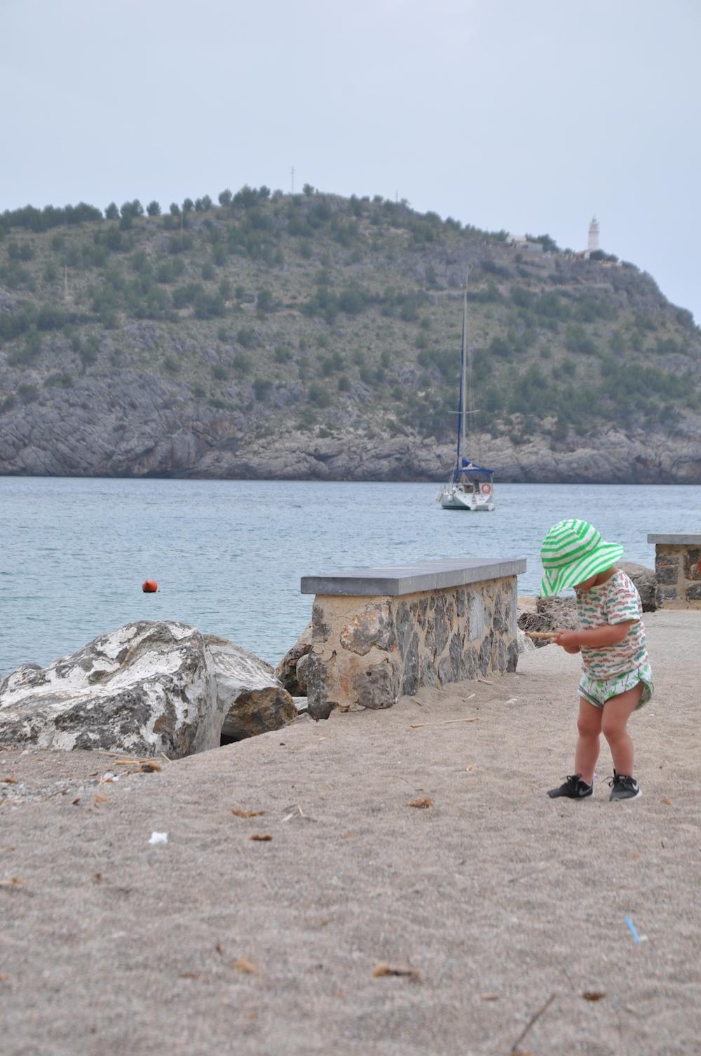 Mallorca_holiday_soller_noe_zoe_hat_gardner