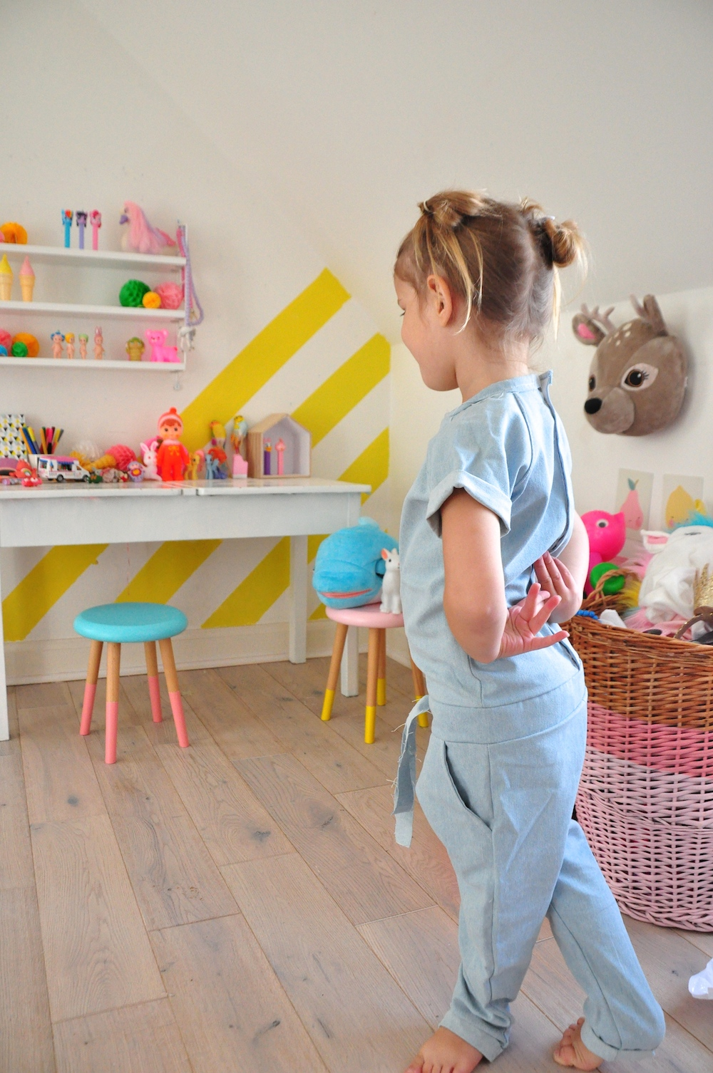 Mingo_kids_jumpsuit_denim_kids_room