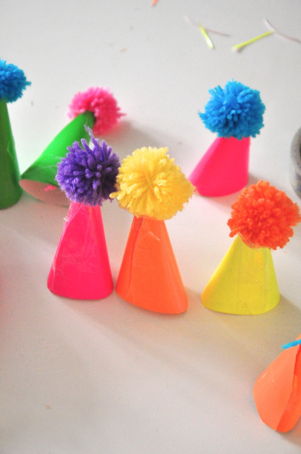 hats_pom_poms_party