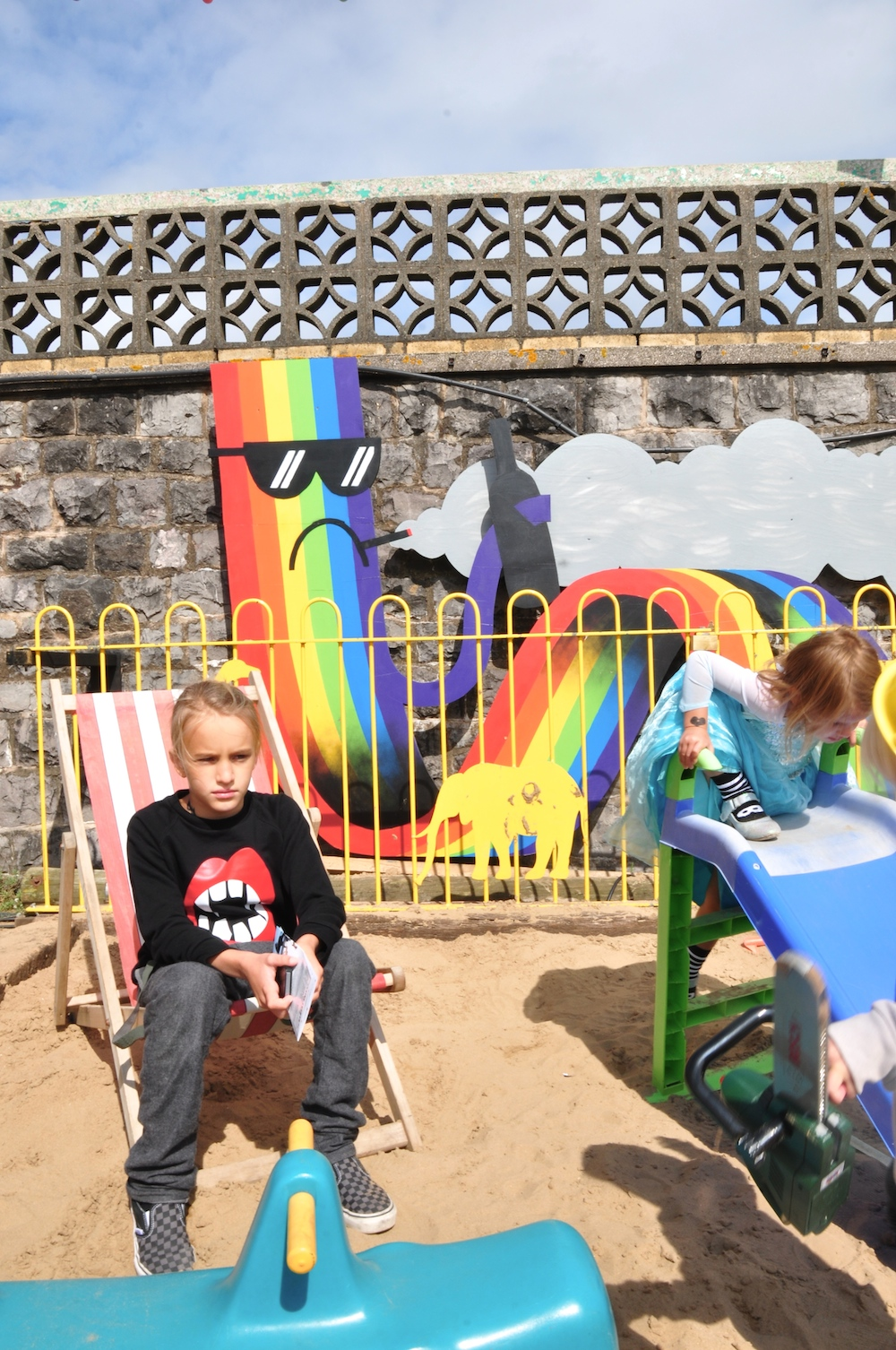 Dismaland_banksy__beau_loves_monkey_mccoy+playground