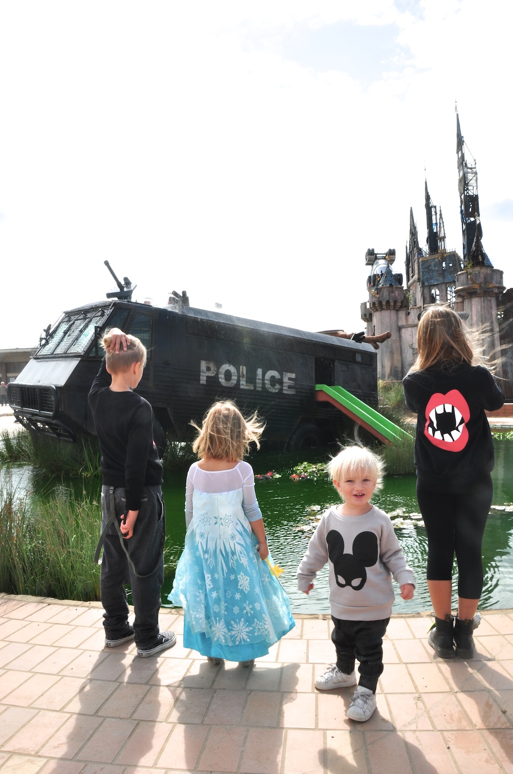 Dismaland_banksy__beau_loves_monkey_mccoy_ariel_castle