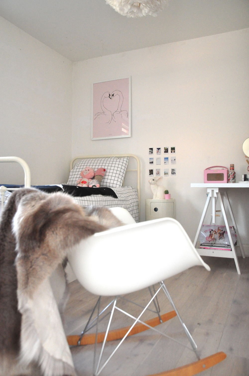 Kids_room_eames_rocker