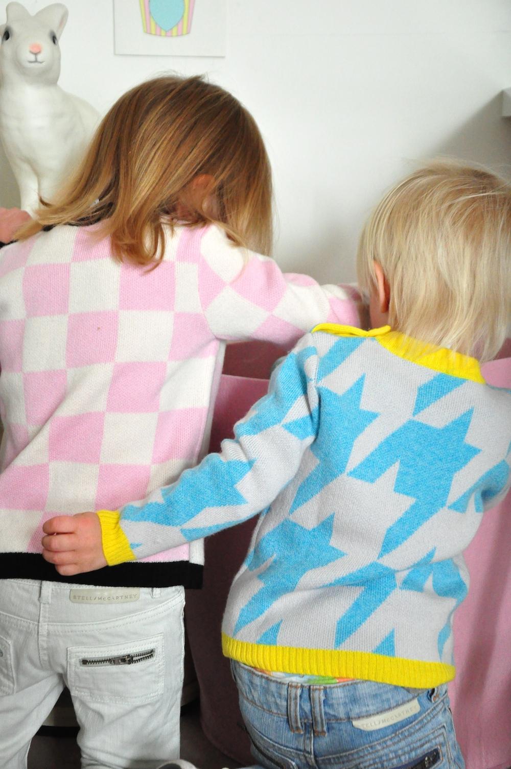 Atelier_child_pink_blue_wool_hound
