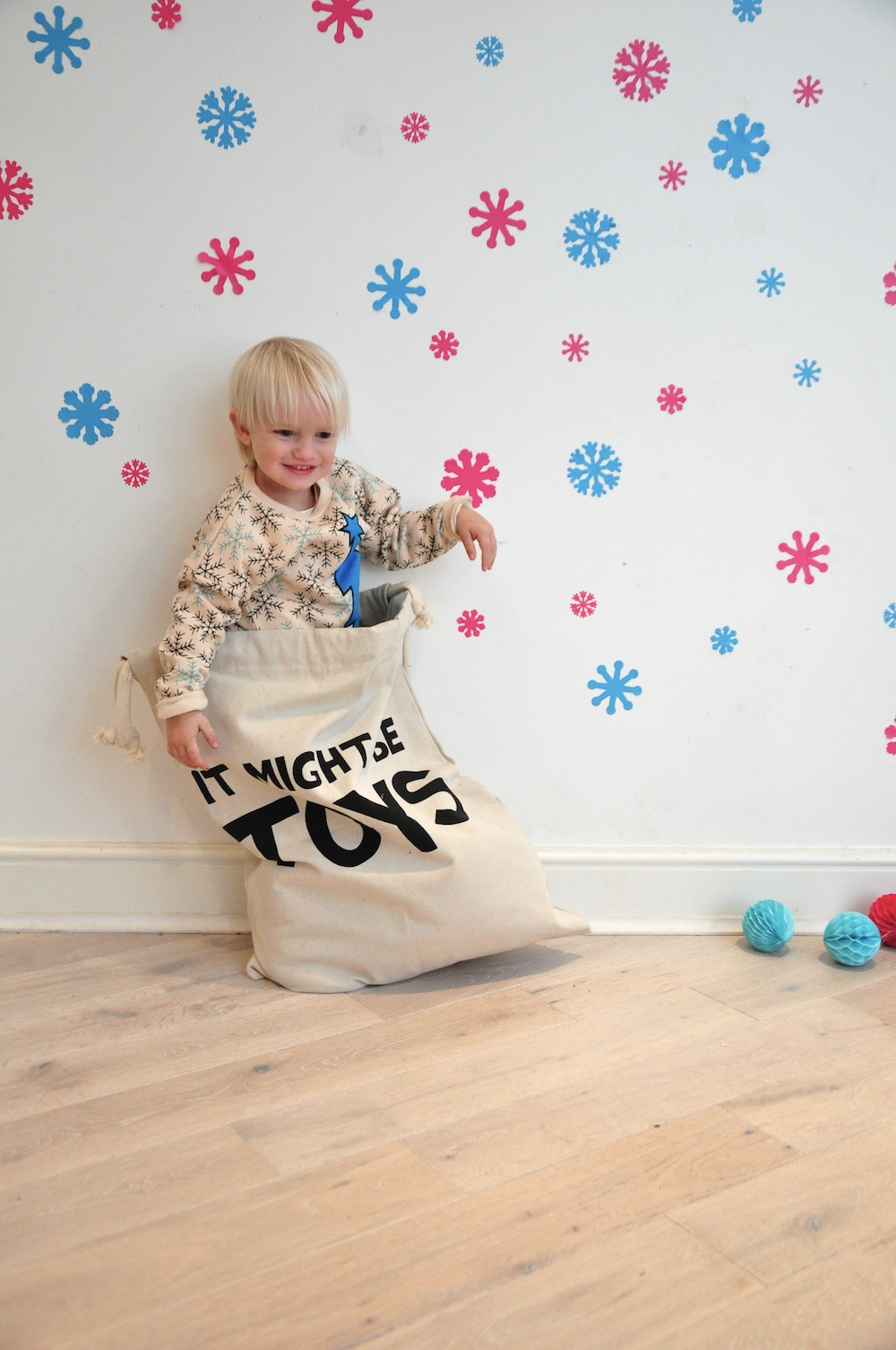 Gardner_and_the_gang_harrods_miniharrods_Christmas_tellkiddo_kidsen_12