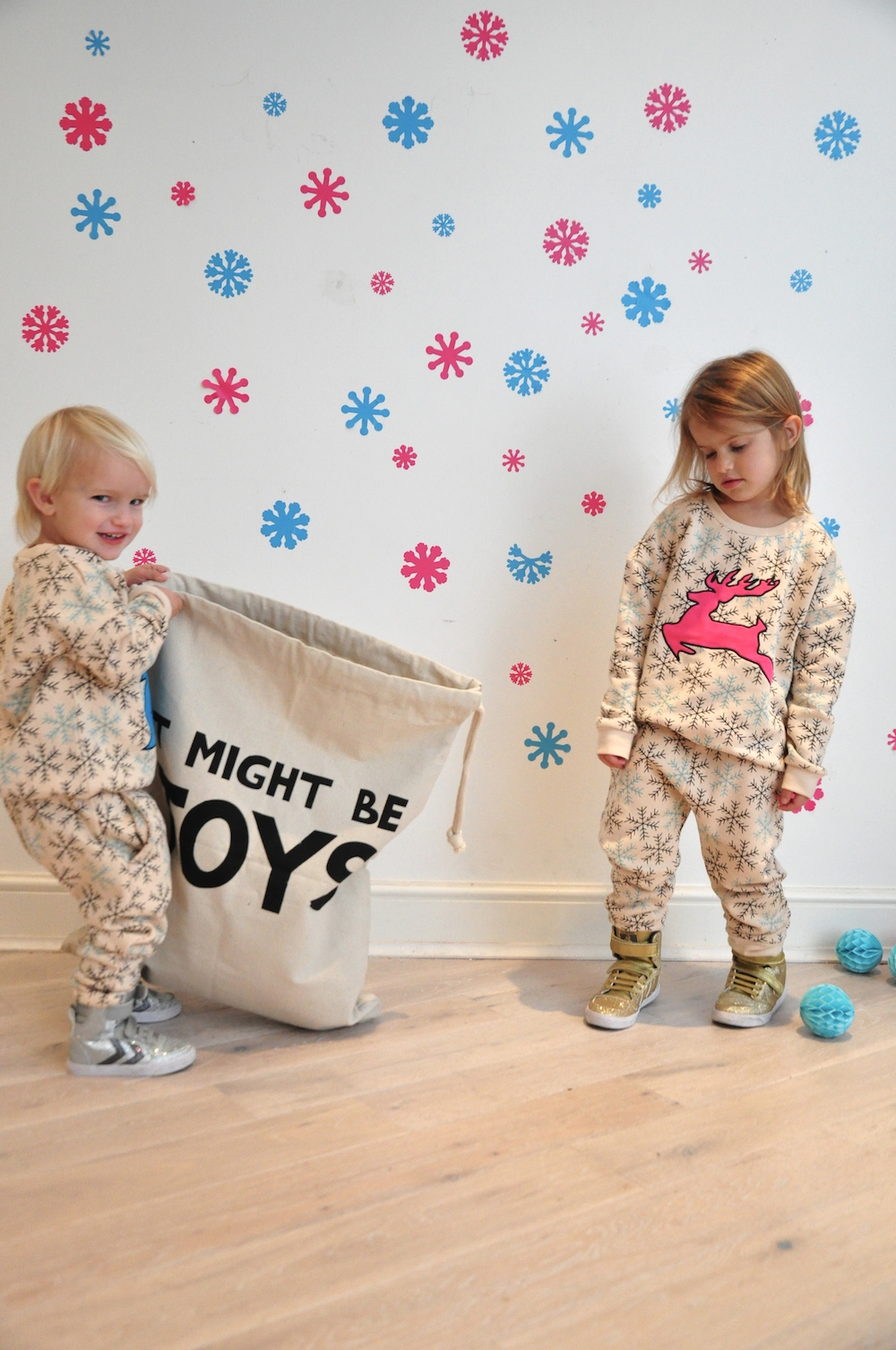 Gardner_and_the_gang_harrods_miniharrods_Christmas_tellkiddo_kidsen_18