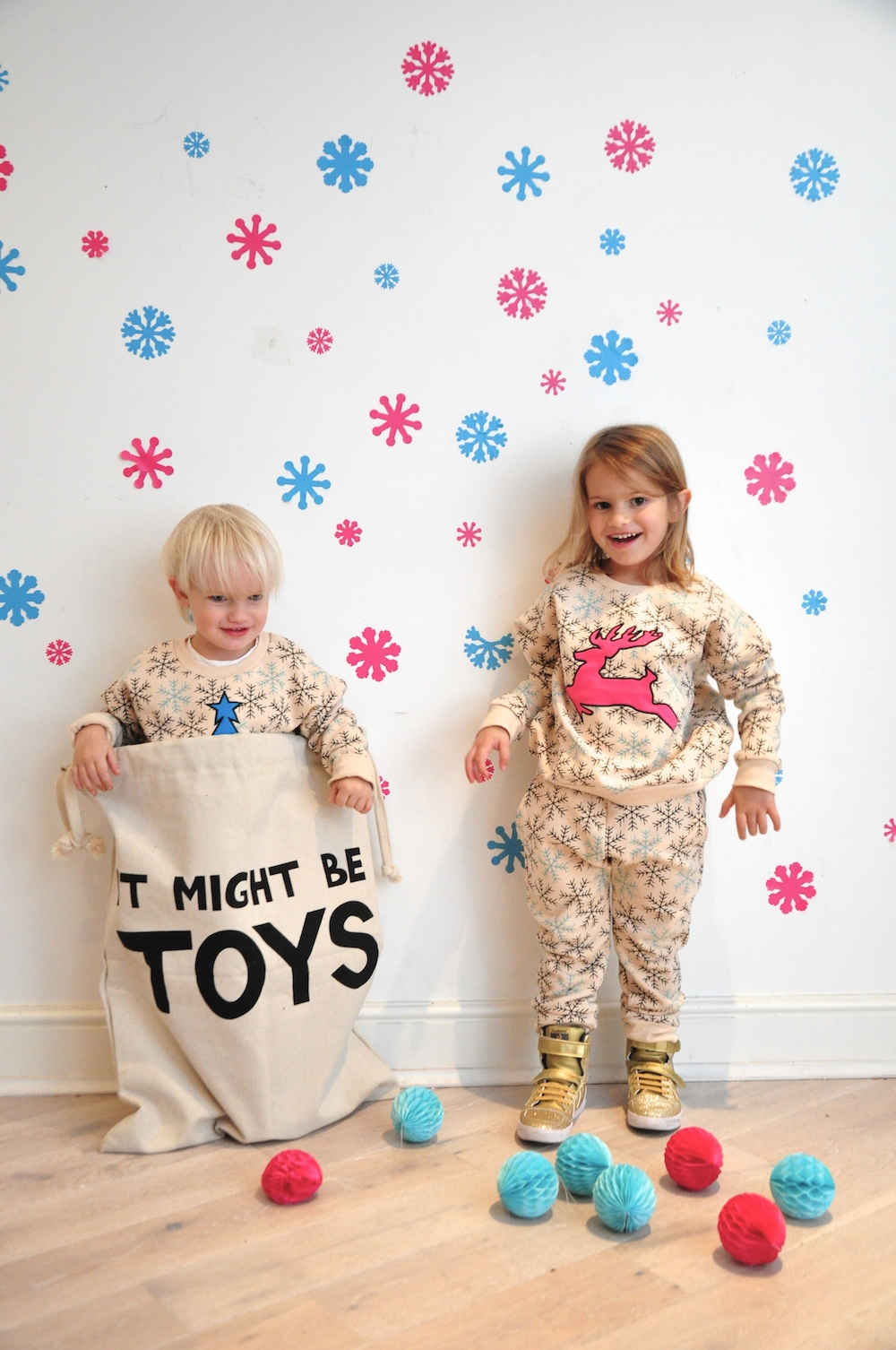 Gardner_and_the_gang_harrods_miniharrods_Christmas_tellkiddo_kidsen_19