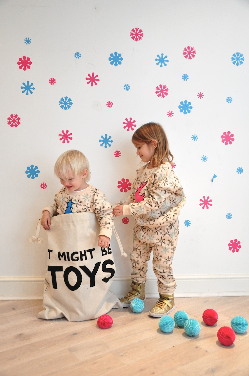 Gardner_and_the_gang_harrods_miniharrods_Christmas_tellkiddo_kidsen_20
