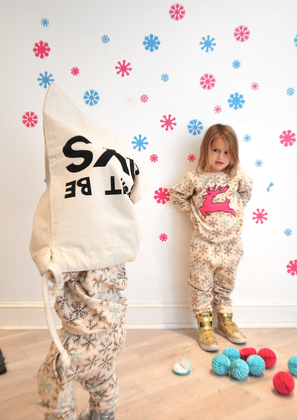 Gardner_and_the_gang_harrods_miniharrods_Christmas_tellkiddo_kidsen_22