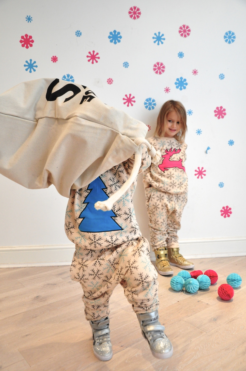 Gardner_and_the_gang_harrods_miniharrods_Christmas_tellkiddo_kidsen_23