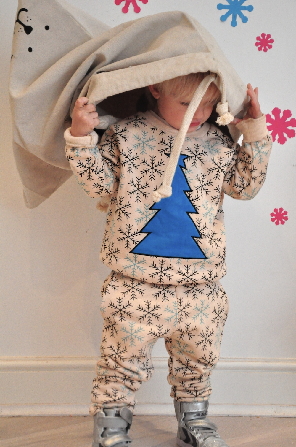 Gardner_and_the_gang_harrods_miniharrods_Christmas_tellkiddo_kidsen_25
