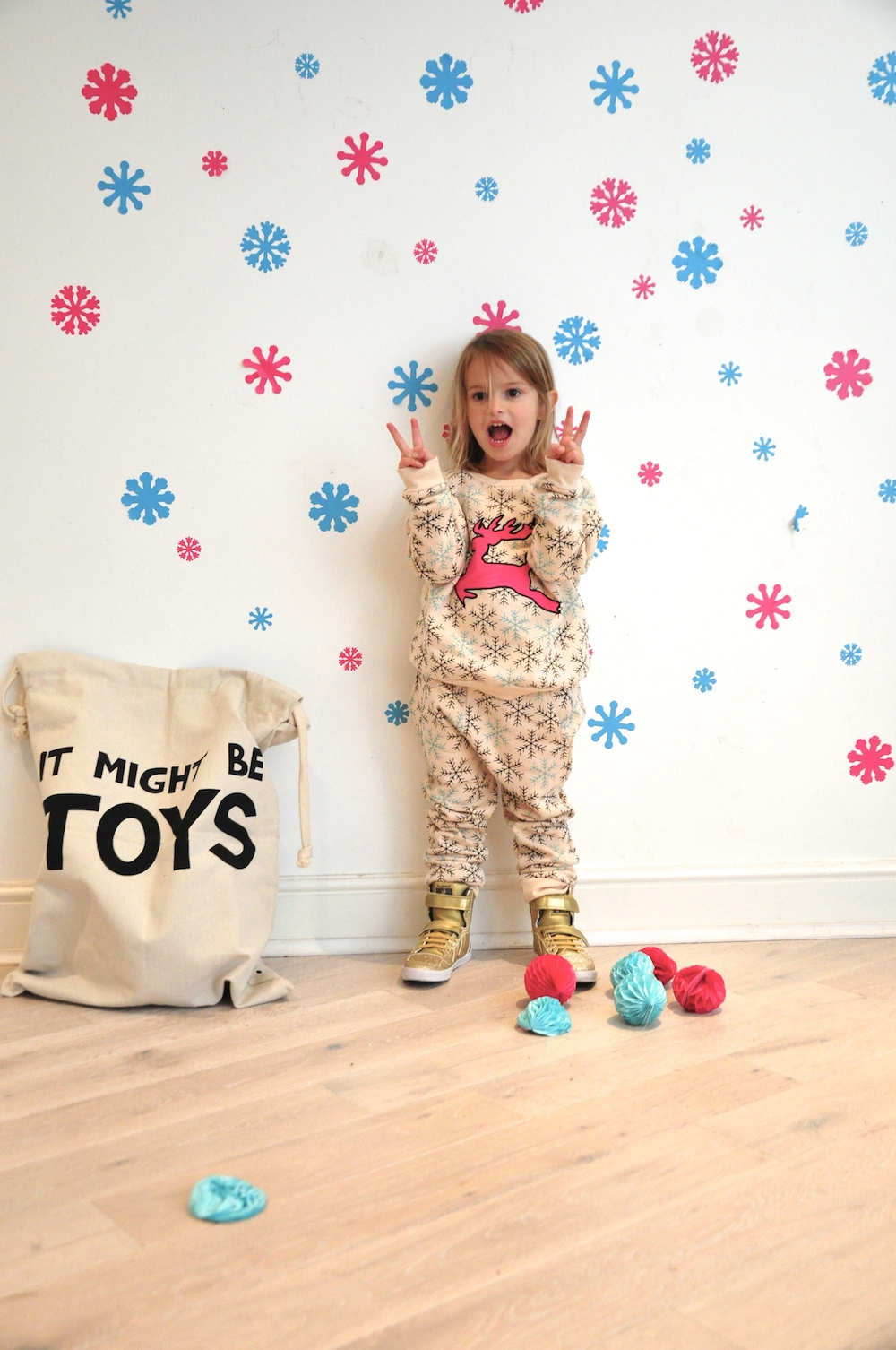 Gardner_and_the_gang_harrods_miniharrods_Christmas_tellkiddo_kidsen_36