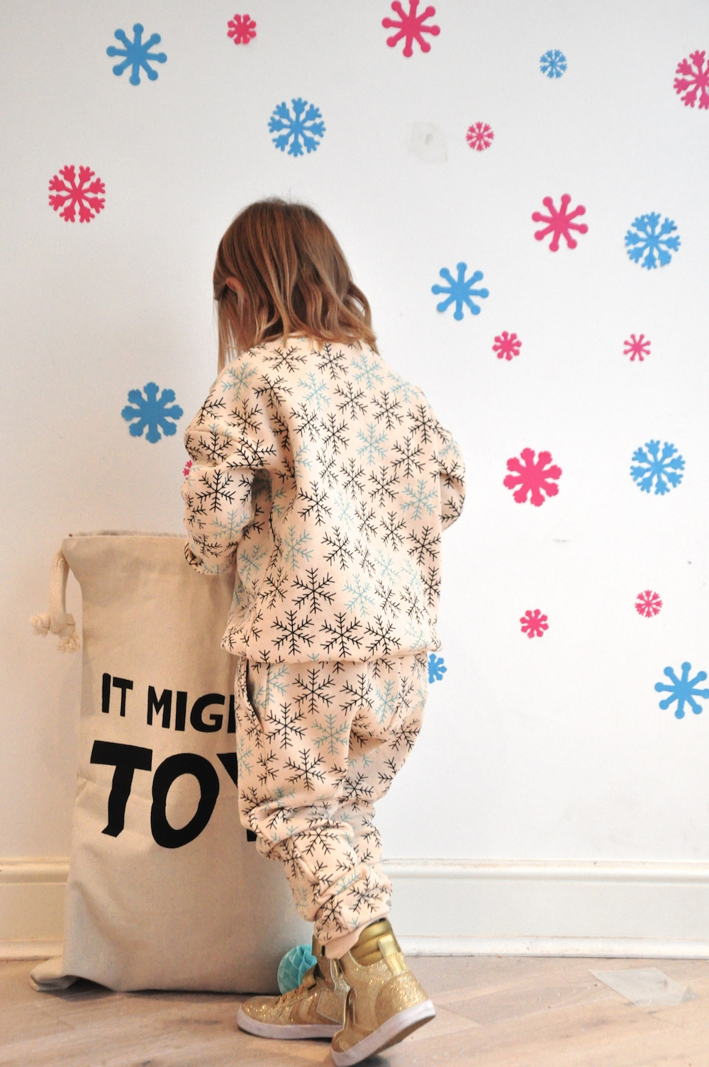 Gardner_and_the_gang_harrods_miniharrods_Christmas_tellkiddo_kidsen_8