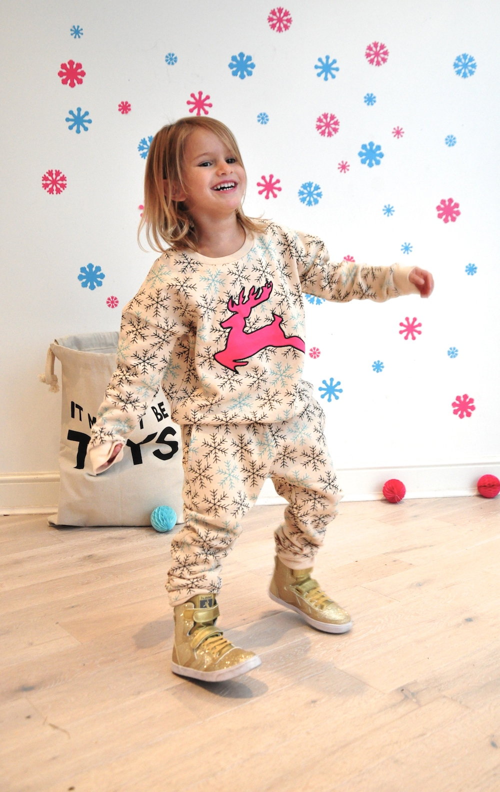 Gardner_and_the_gang_harrods_miniharrods_Christmas_tellkiddo_kidsen_9