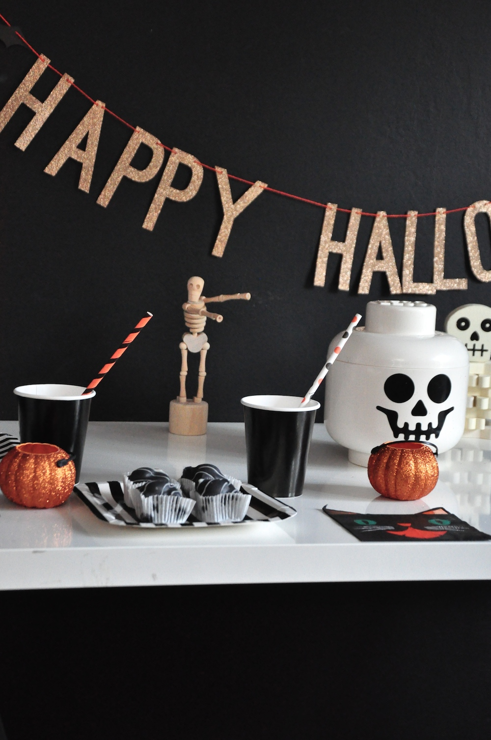 LittleLulubel_halloween_party_shop_lego_skull