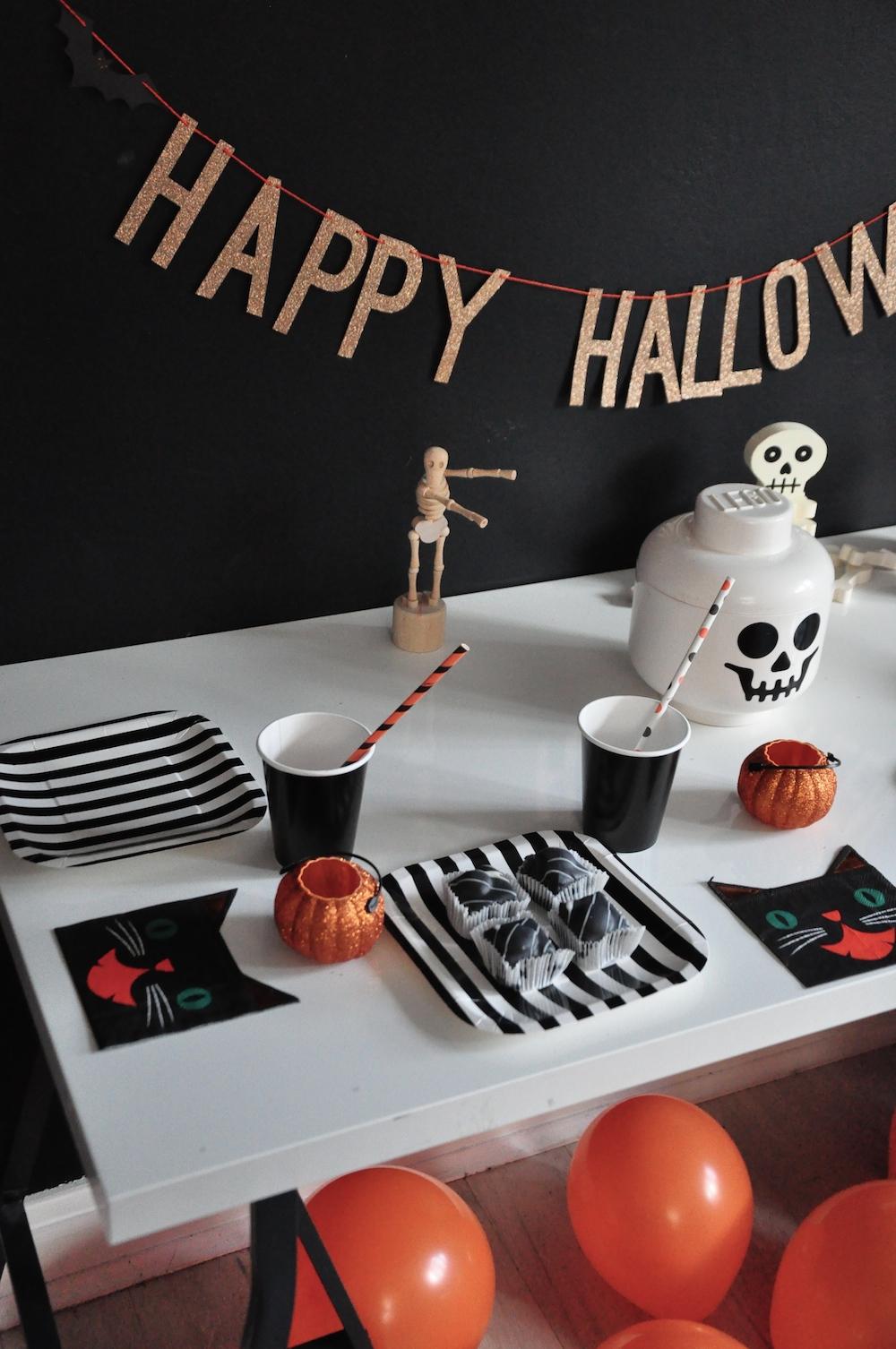 LittleLulubel_halloween_party_shop_table