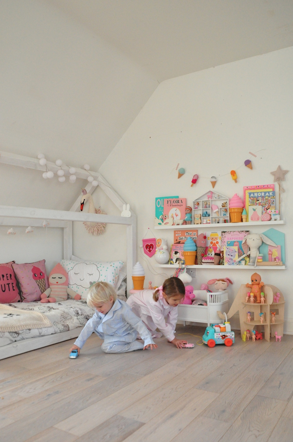 My_little_shop_pyjamas_kids_room_i_love_linen