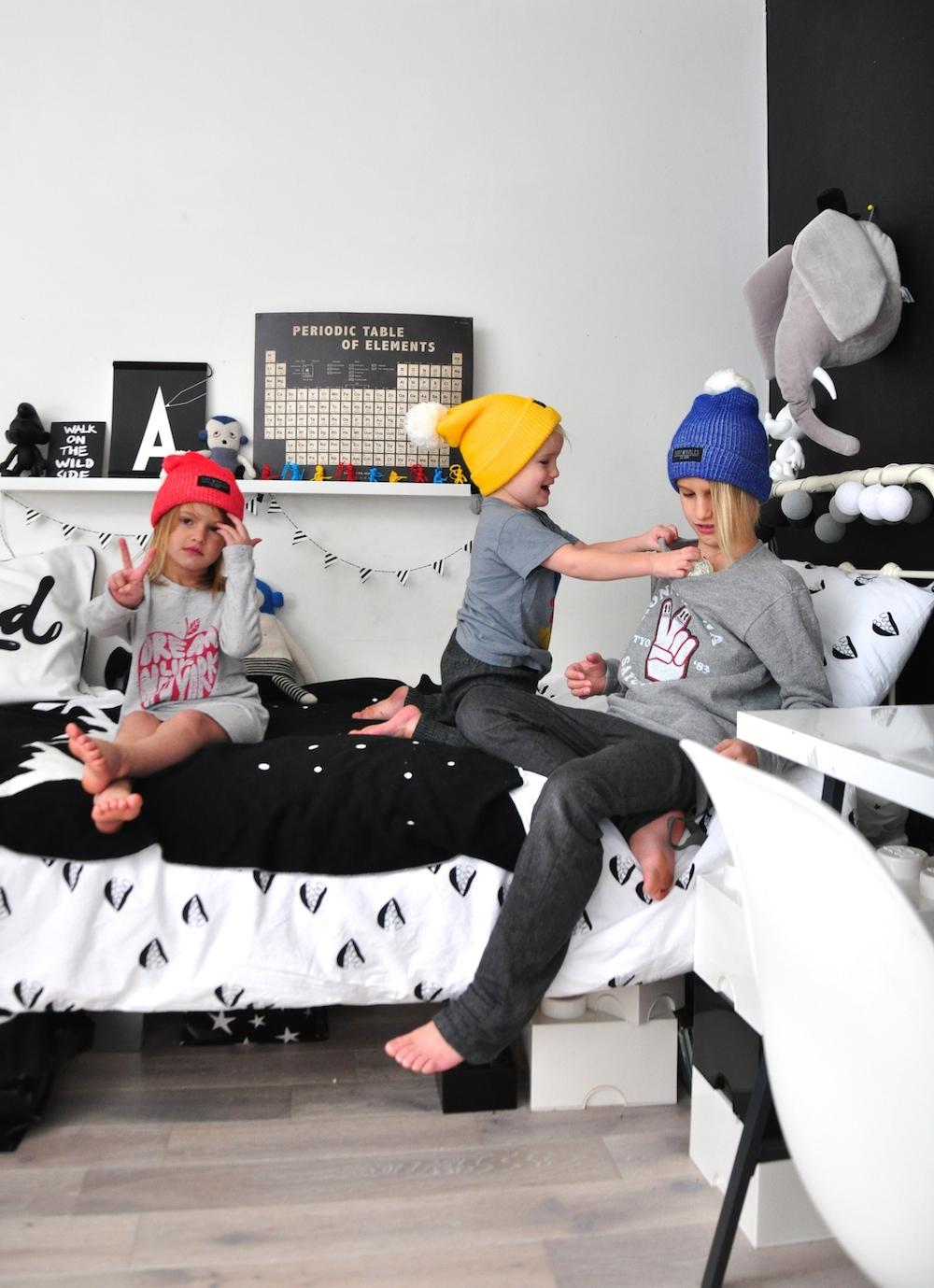 kids_room_tiny_whales