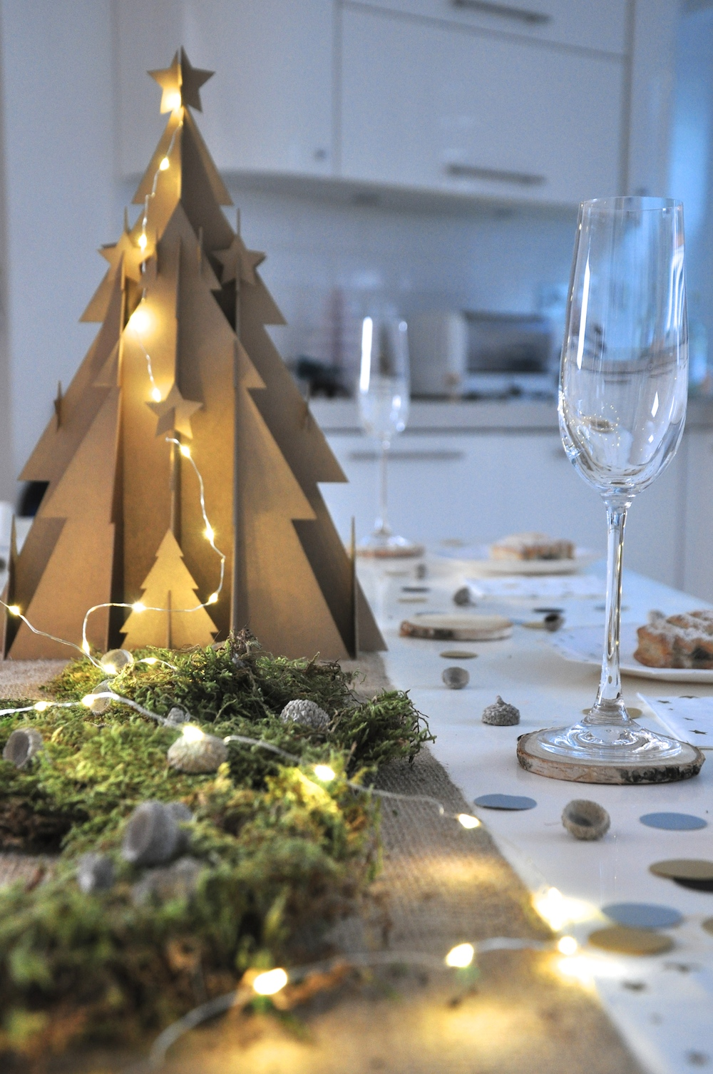 a_little_party_box_christmas_centrepiece