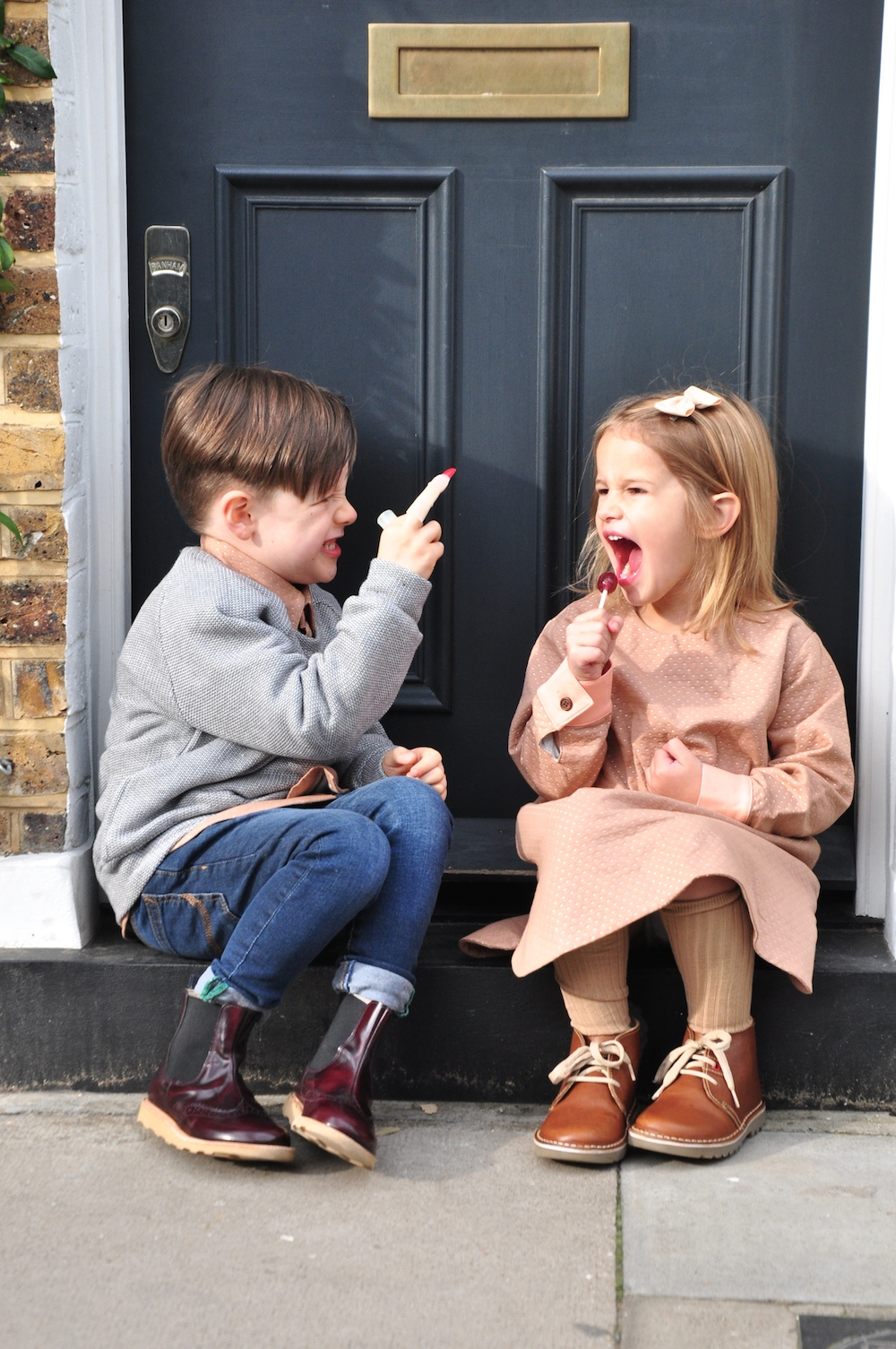 Milk_and_biscuits_kids_clothes