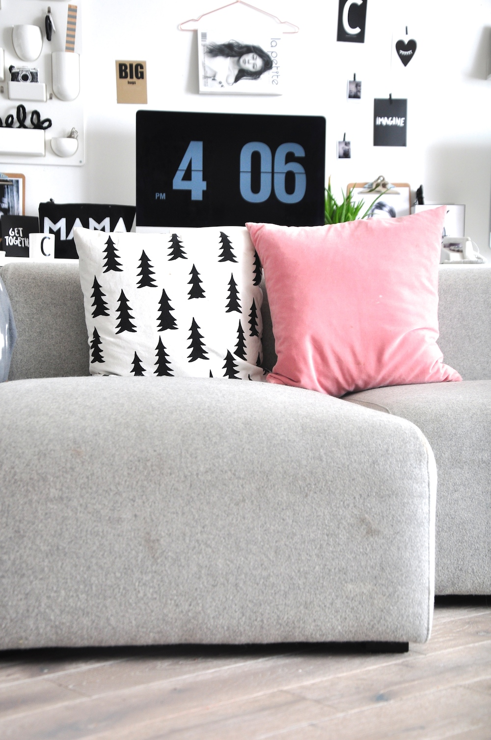 Hay_sofa_grey_pink_living_room