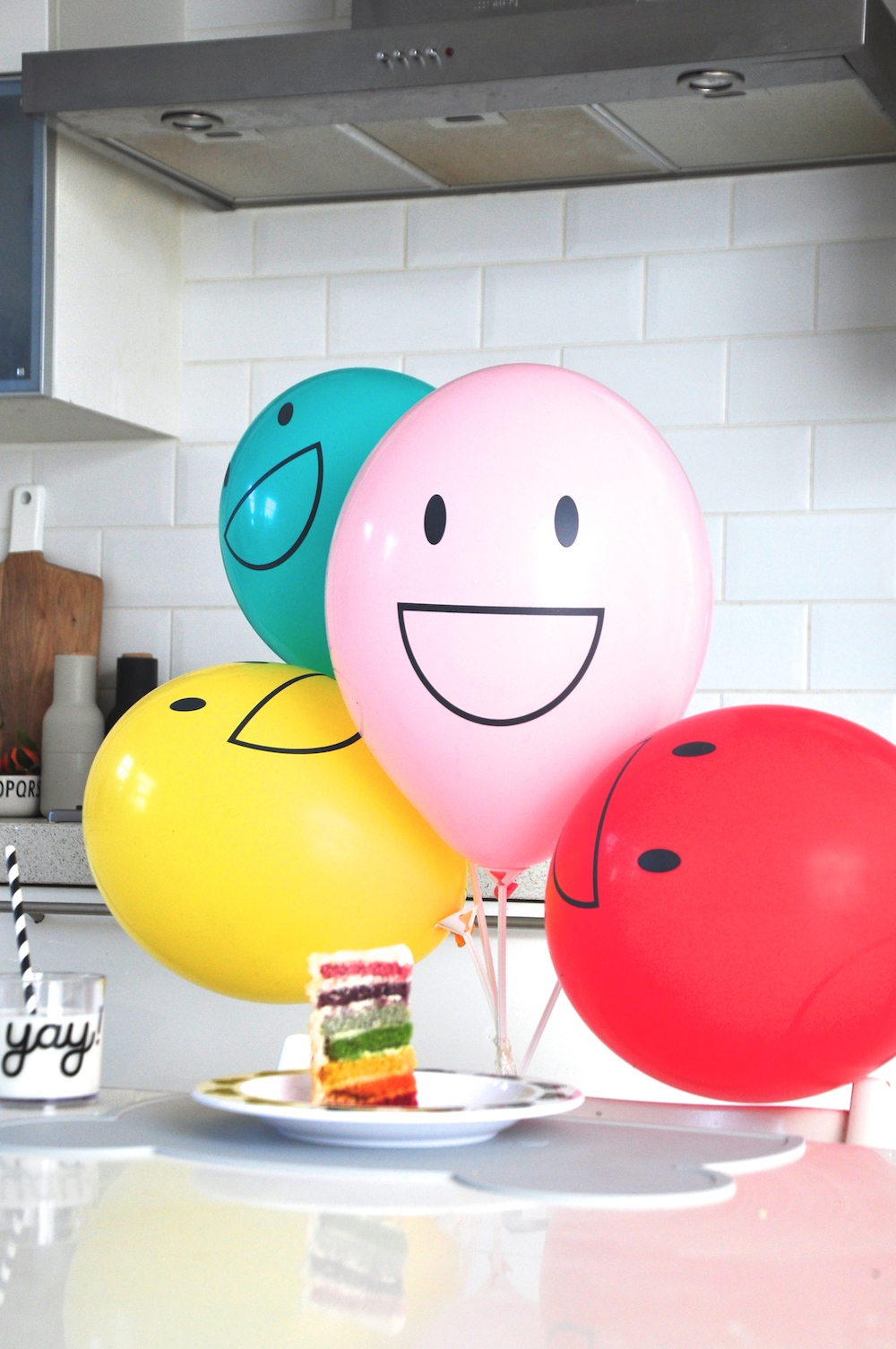 LittleLulubel_smiley_ballooons