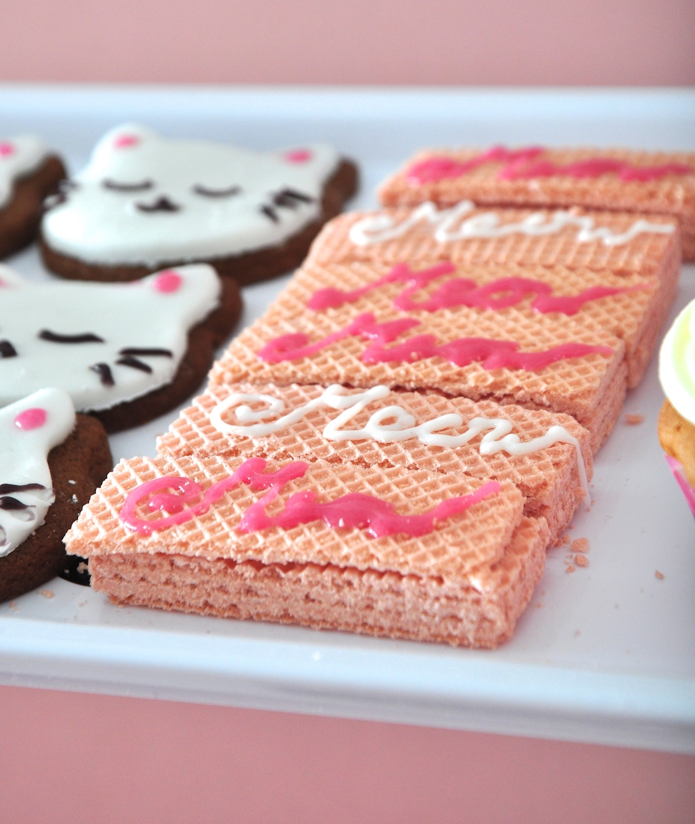mewow_biscuites_pink_wafer_party_