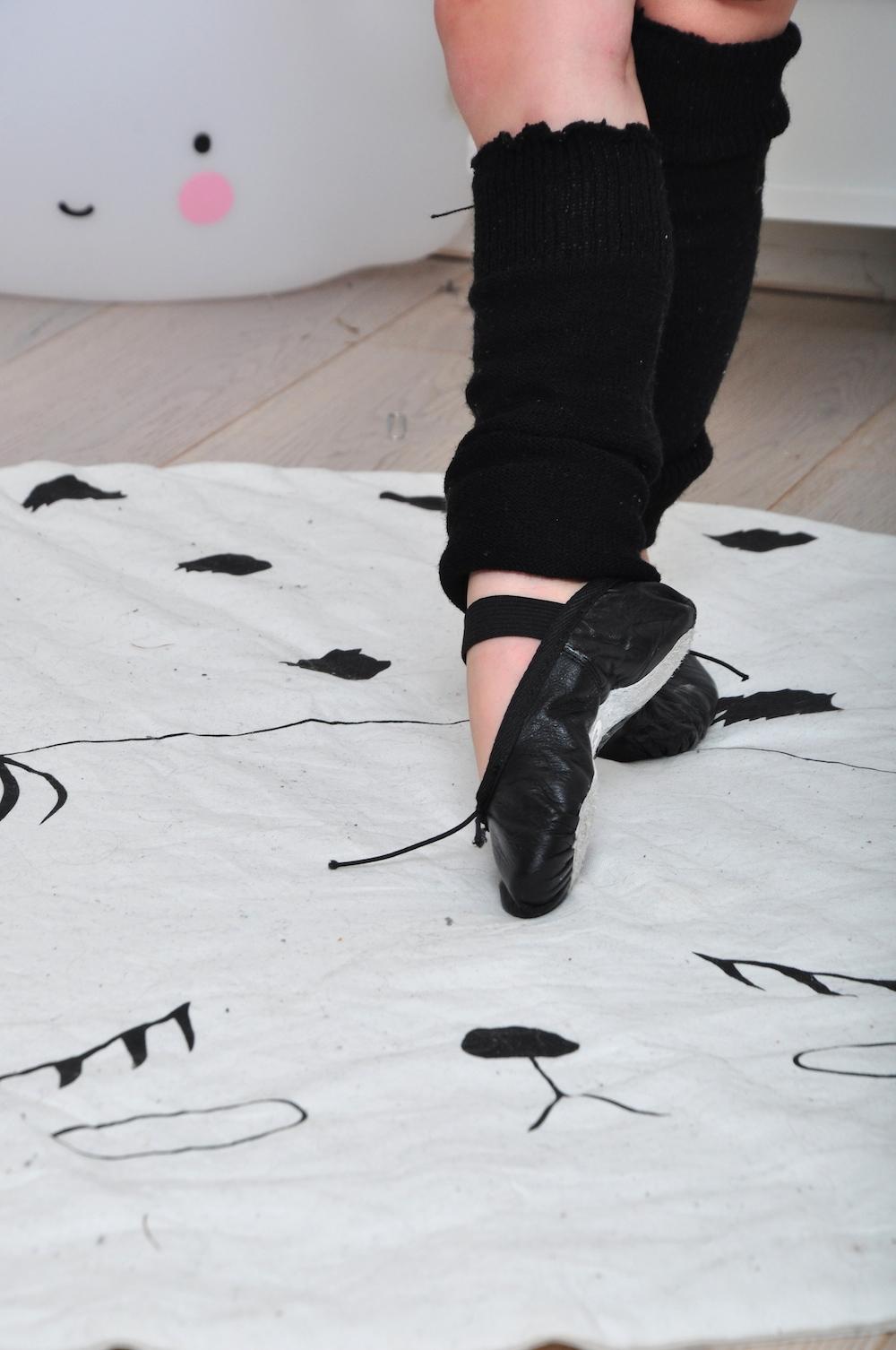 Ballet_baby_black_slippers