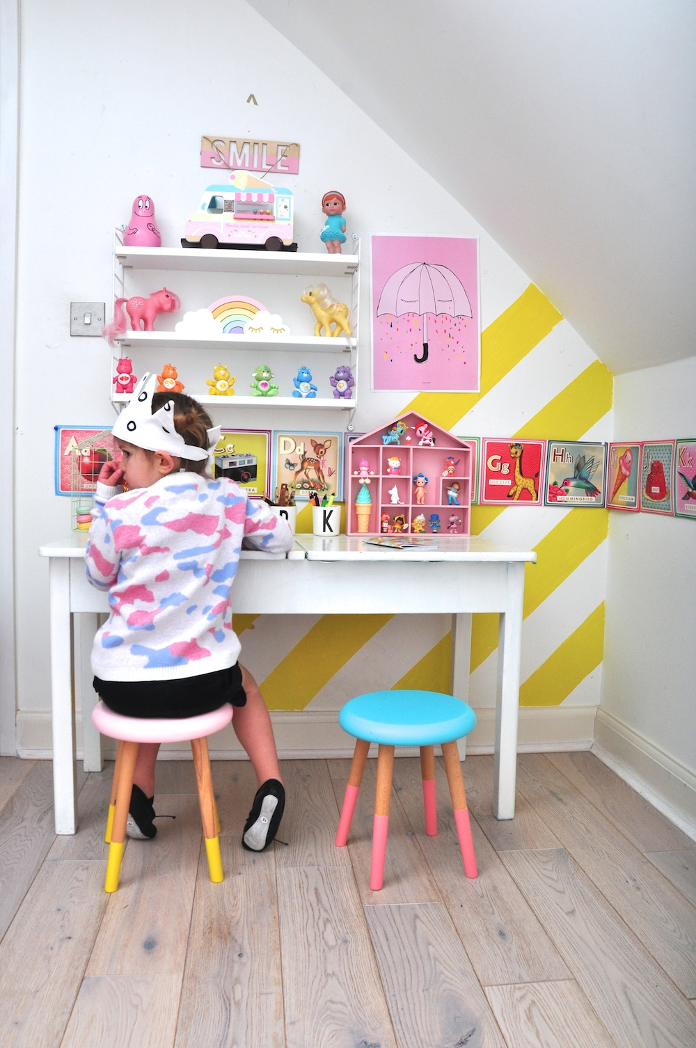 interior-wokspace_kids_girls_chloe_thurston