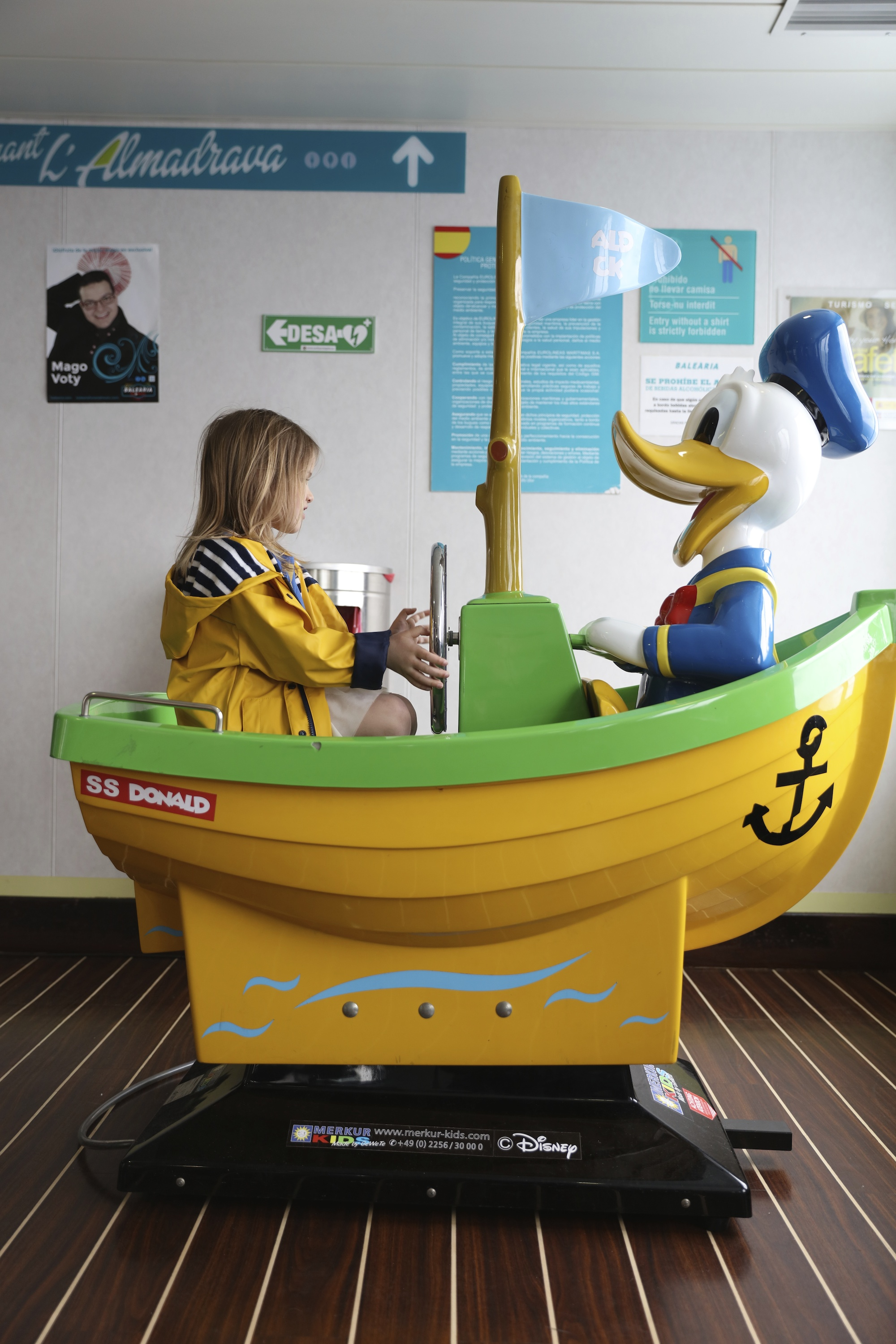 Donald_duck_ferry