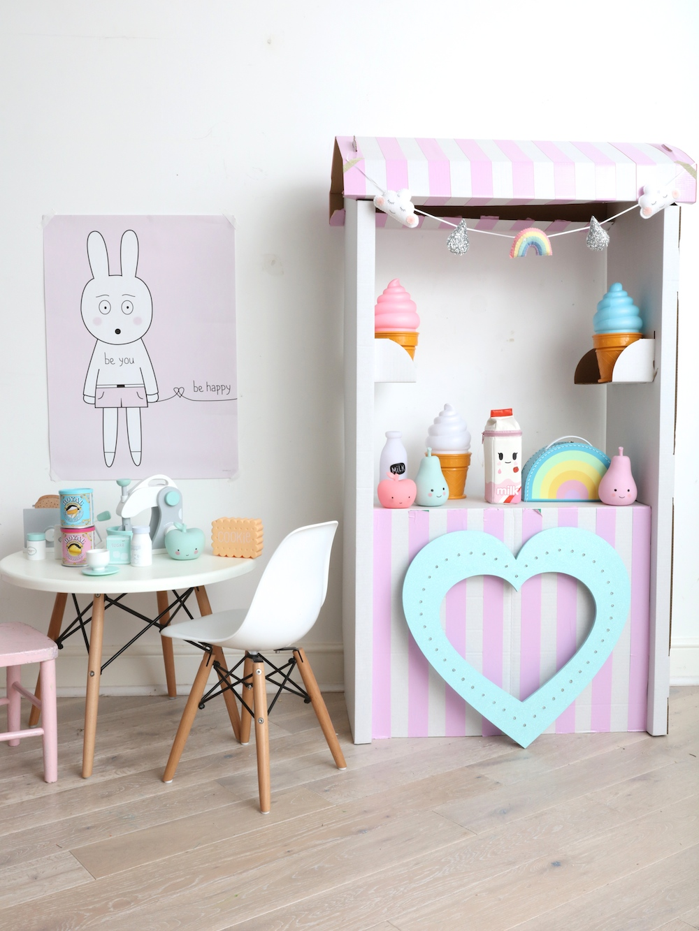 Ginger_rock_designs_hollyanna_play_kitchen