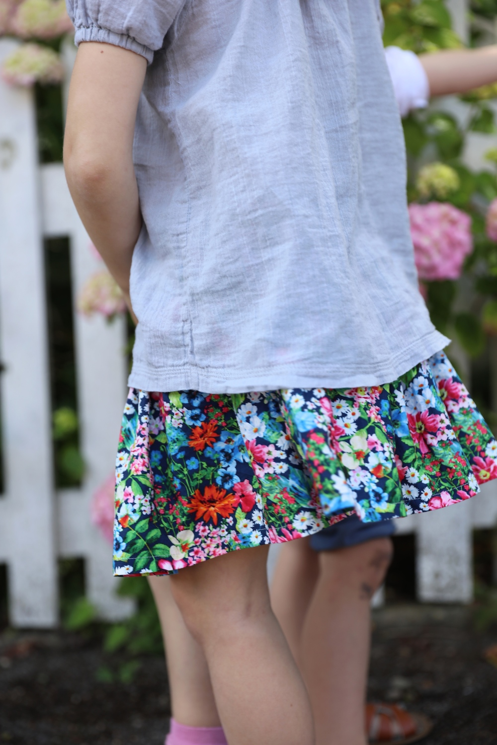 lu_e_luett_flower_skirt