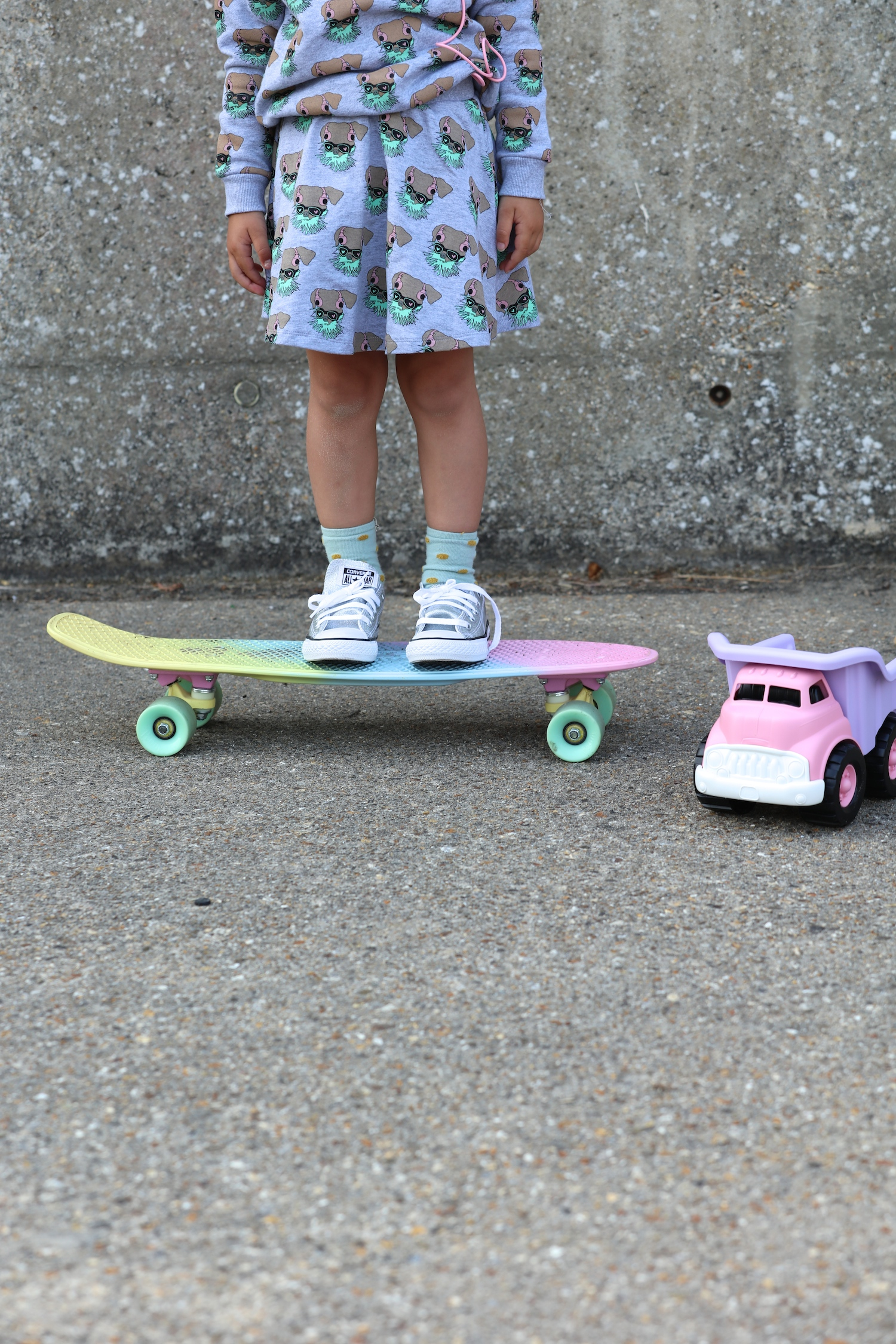 Gardner_and_the_gang_aw_16_kids_penny_skateboard