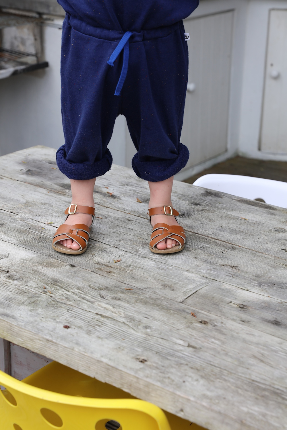 Noe_and_zoe_aw16_saltwater_sandals