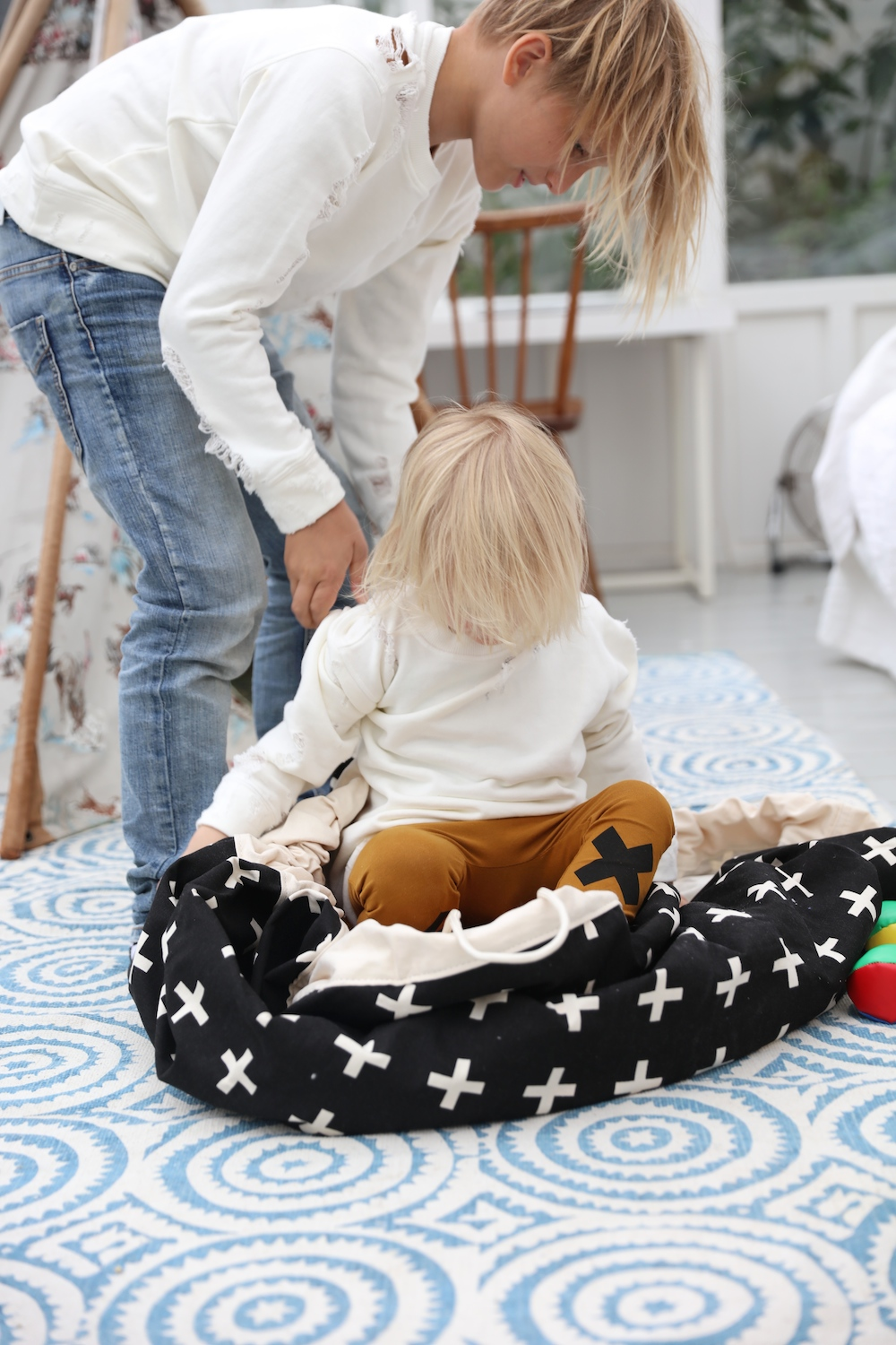Play_pouch_toy_bag_storage