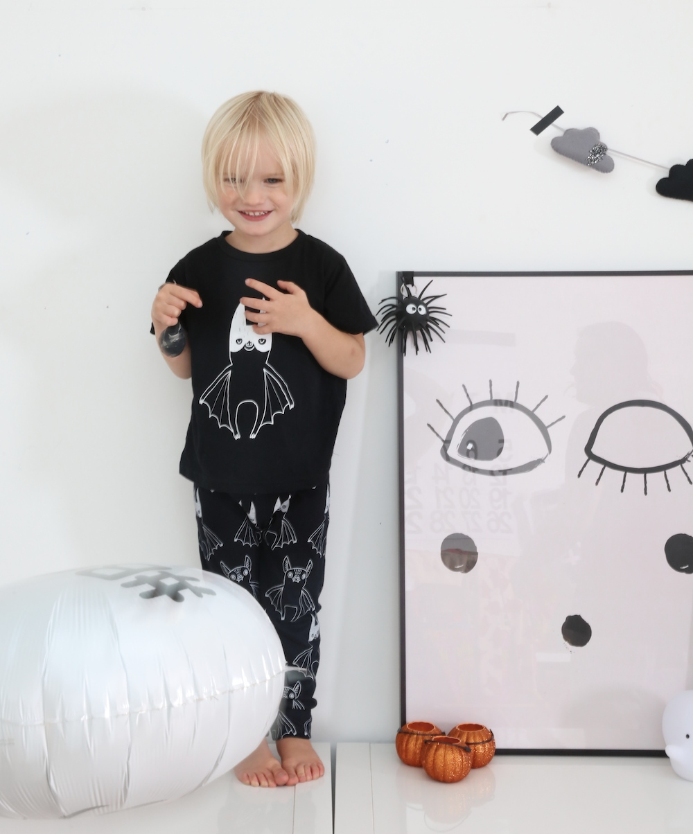 tobias_and_the_bear_bat_halloween_kids_clothes