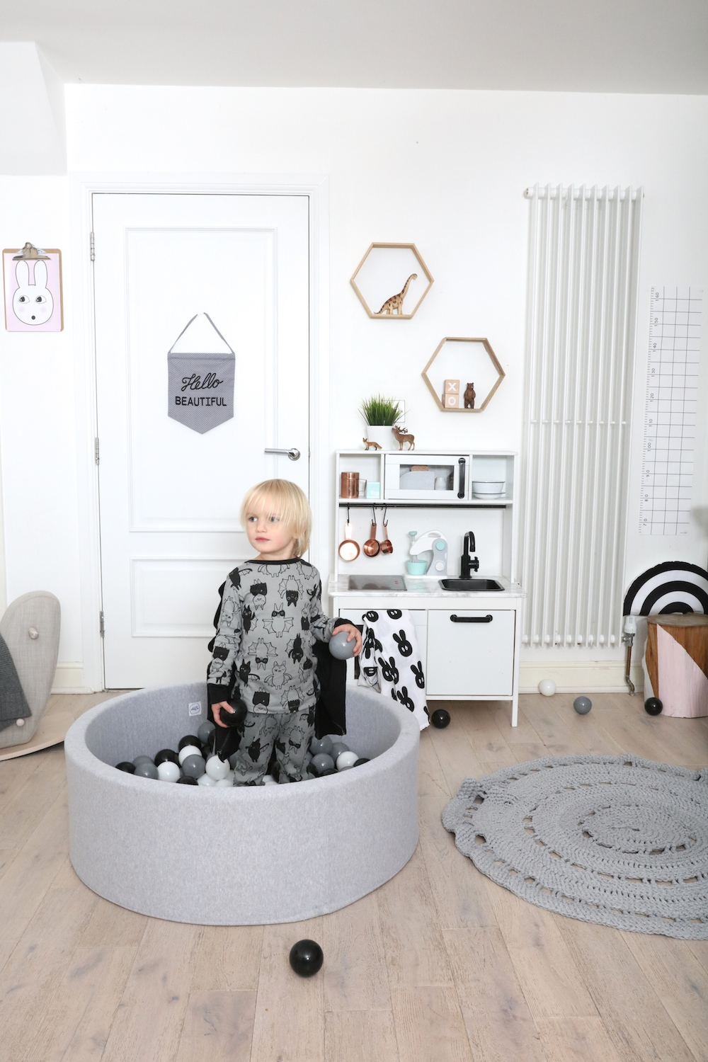 kids_ball_pit_the_modern_nursery
