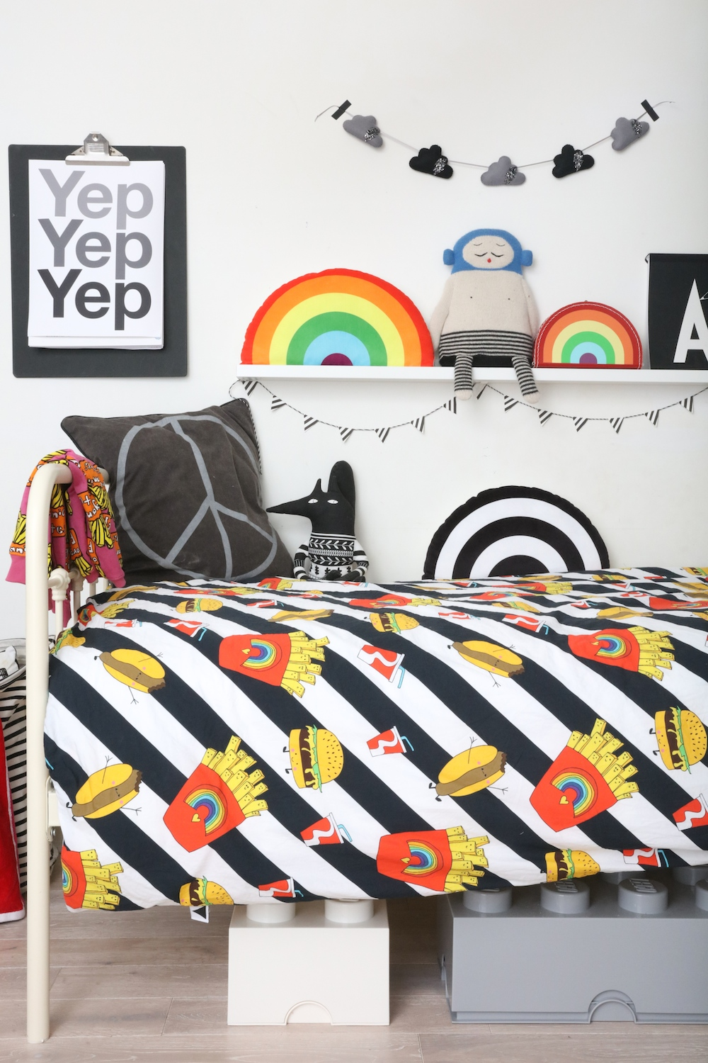 love_frankie_junk_food_duvet_yep_print_rainbow-cushion