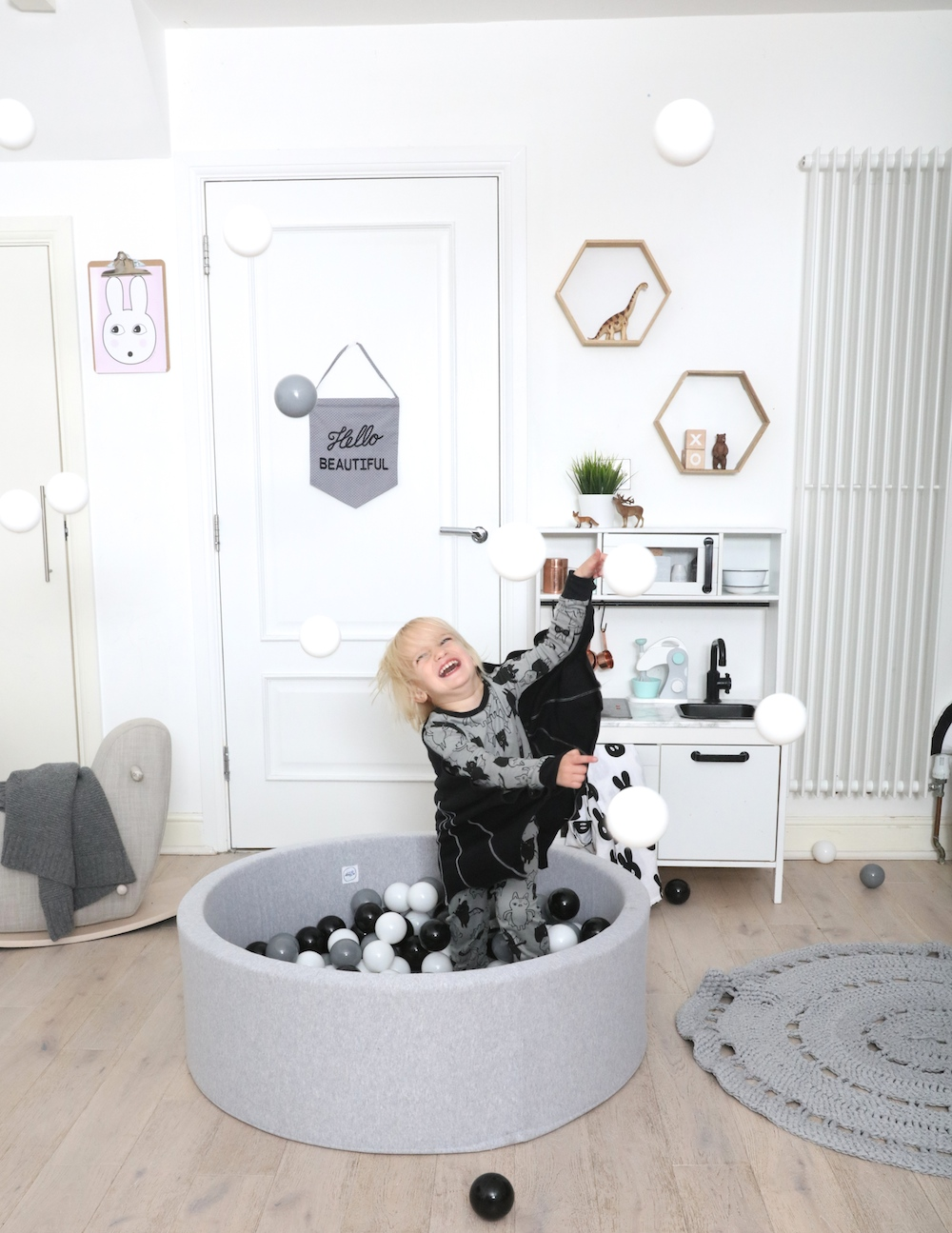 the_modern_nursery_modern_cool_ball_pit